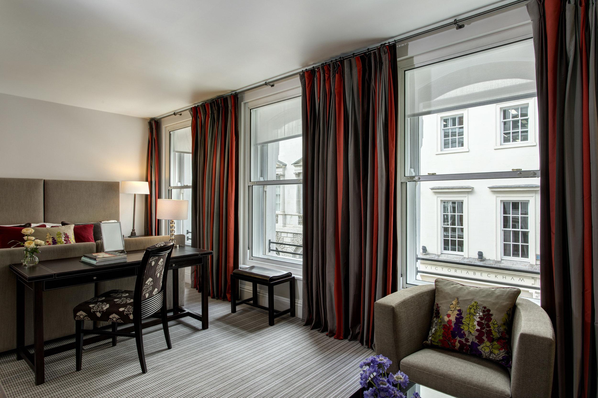 17 RFH Brown's Hotel - Deluxe Room 6277 Jul 17.JPG