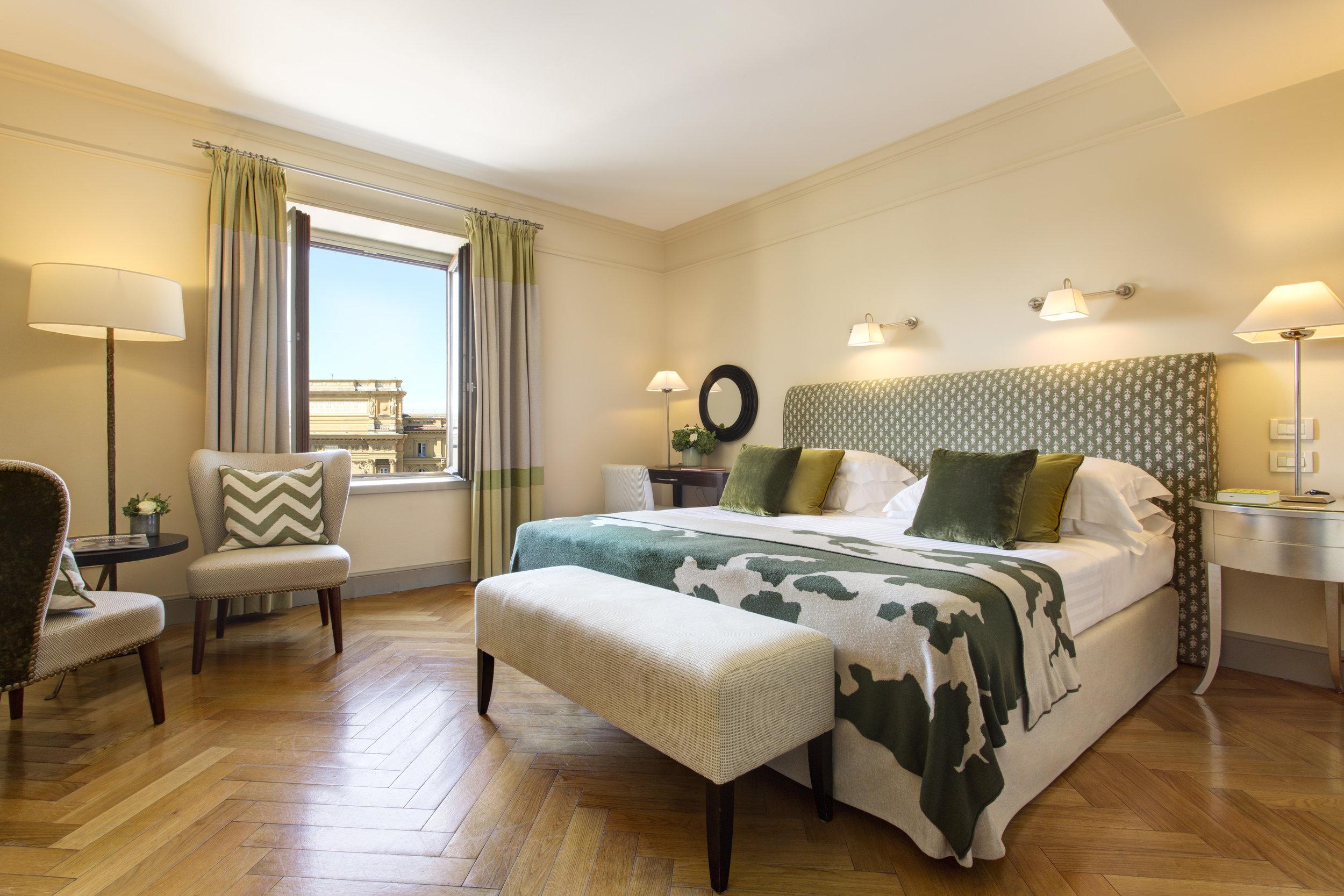 13 RFH Hotel Savoy - Piazza View Room 508 3543 JG Oct 16.JPG