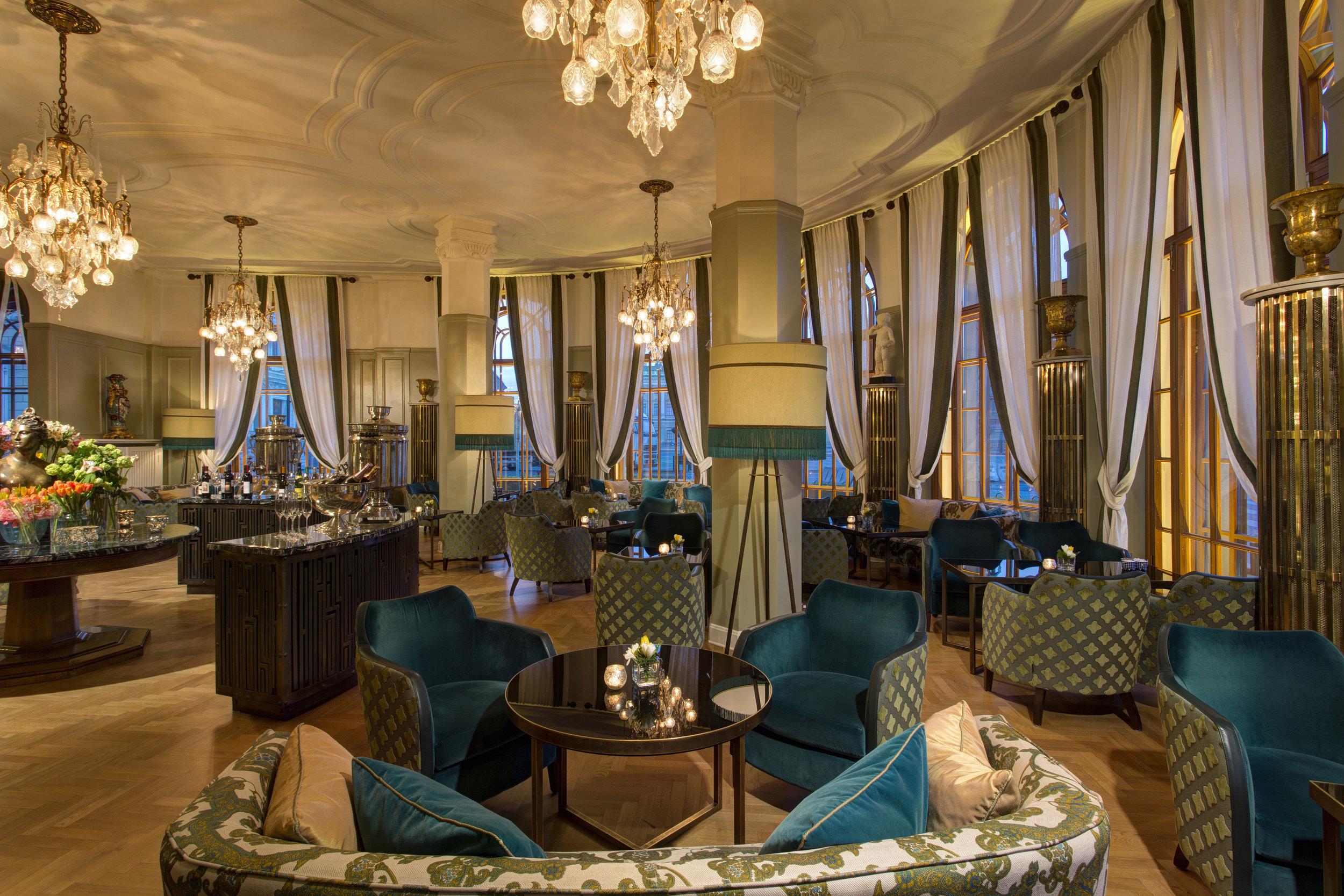 3 RFH Hotel Astoria - Rotonda Lounge 7889.JPG