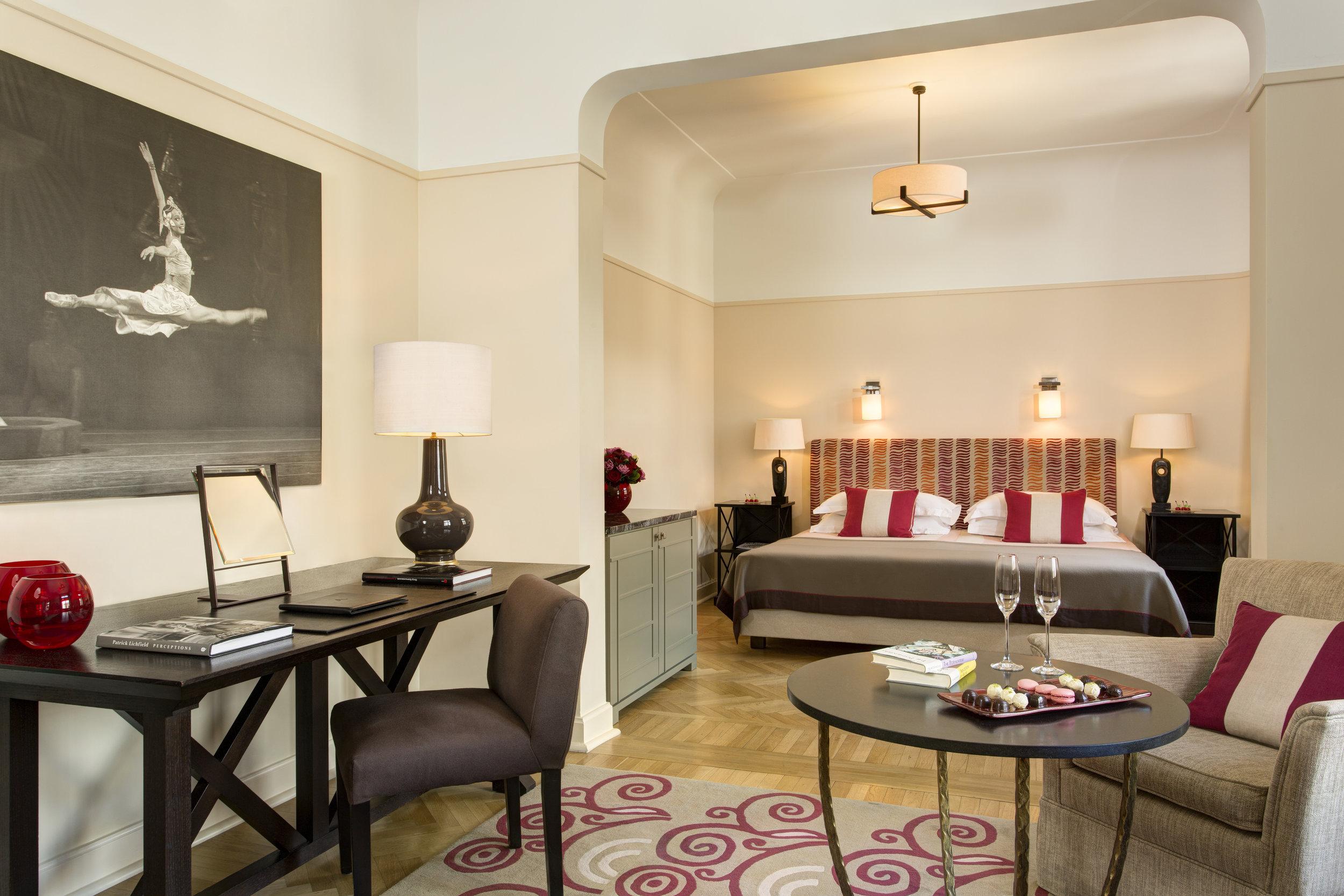 21 RFH Hotel Astoria - Junior Suite 7300 JG Sep 17.JPG