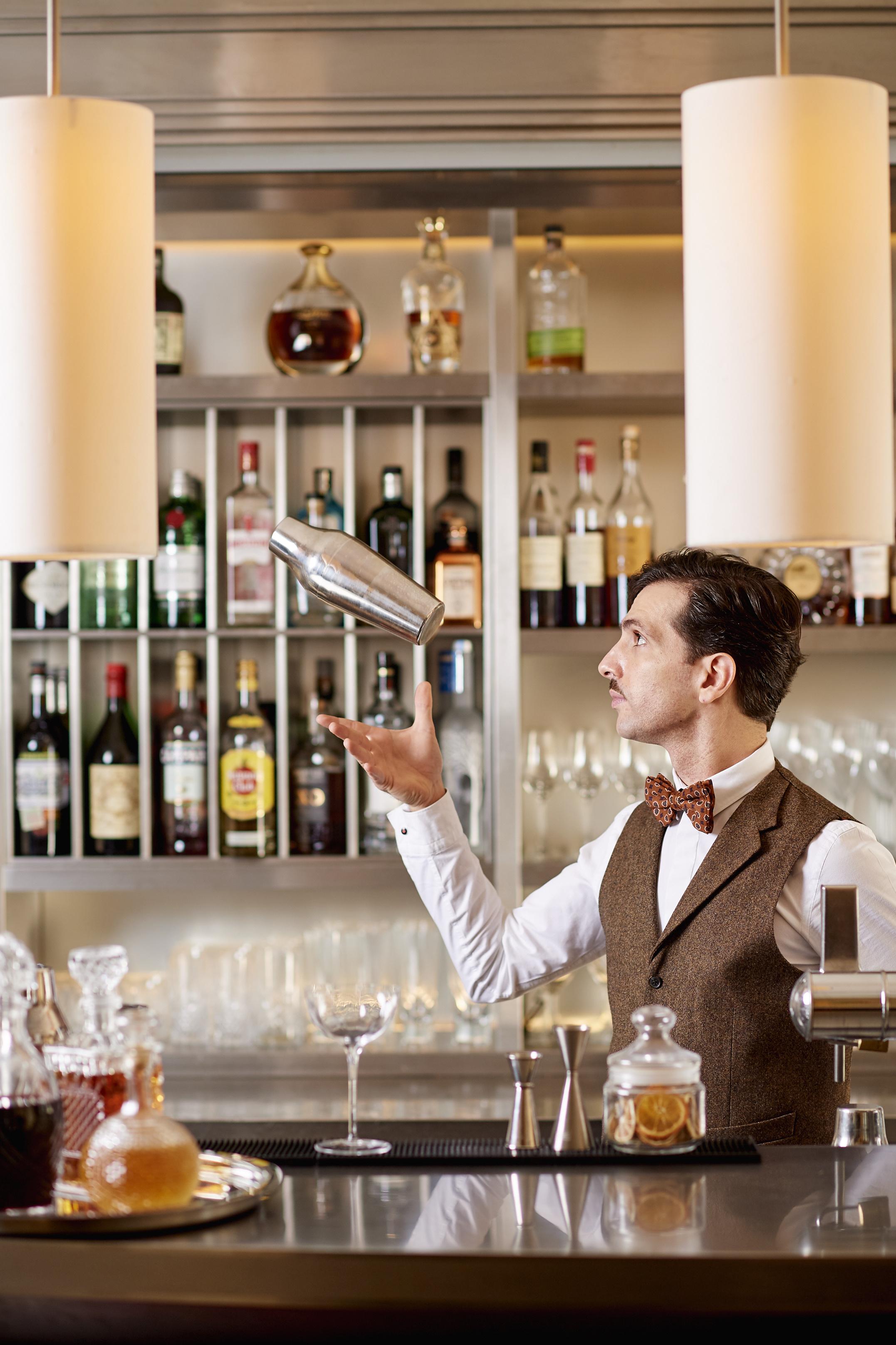 5 Bar Amigo at Hotel Amigo 373 GM Mar 2017.jpg