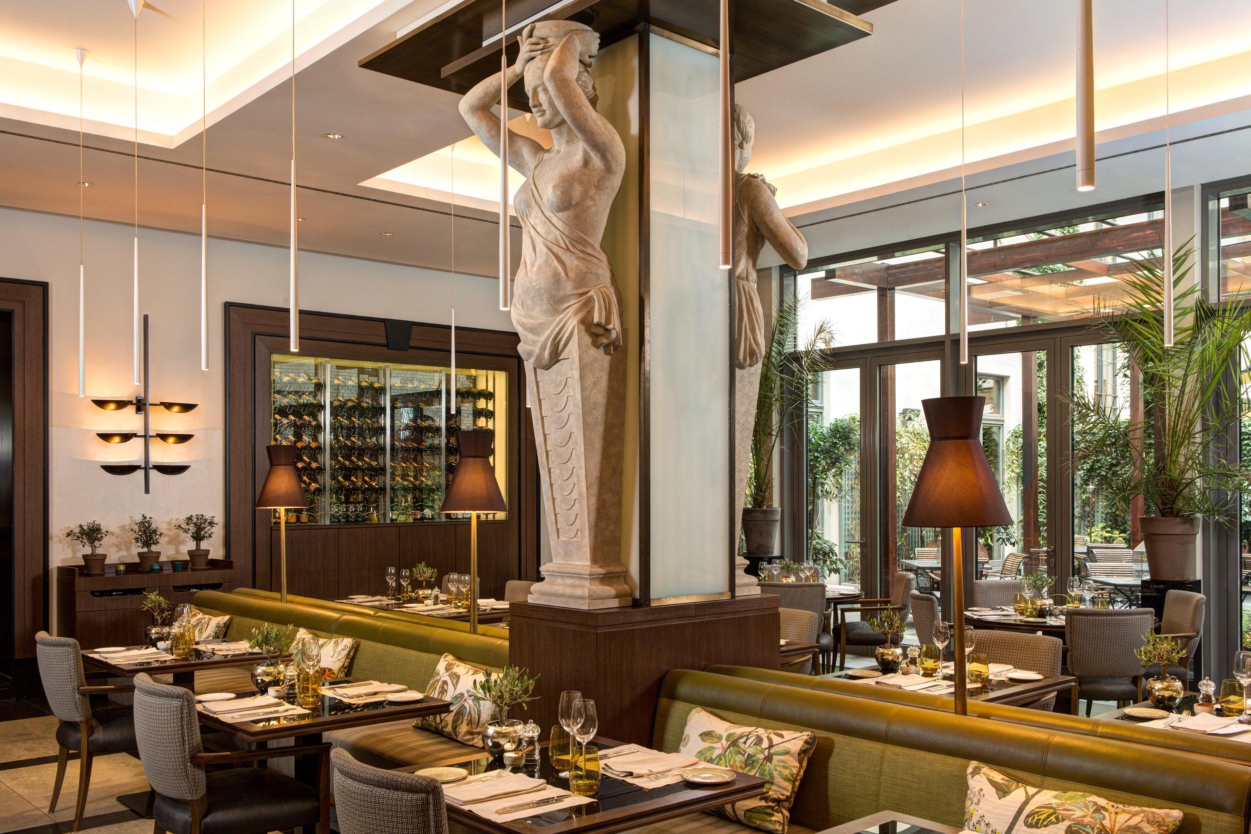 6 RFH Hotel de Rome - La Banca restaurant.jpg