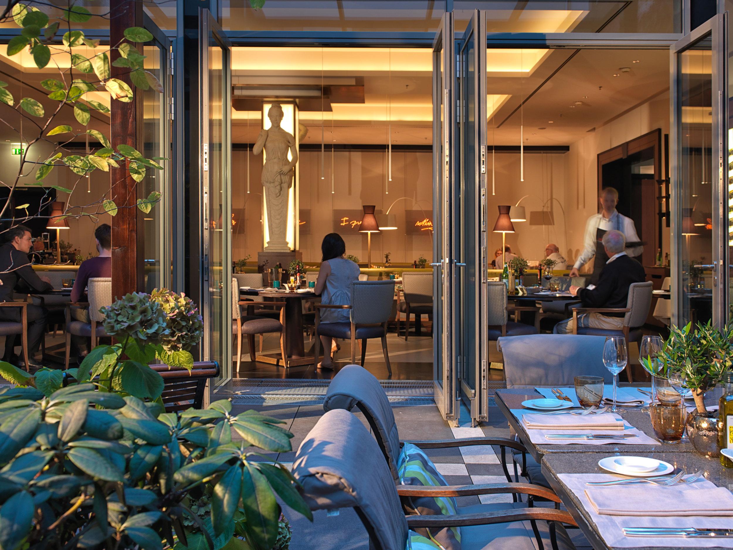 19 RFH Hotel de Rome - La Banca 1141 AH Oct 14.jpg
