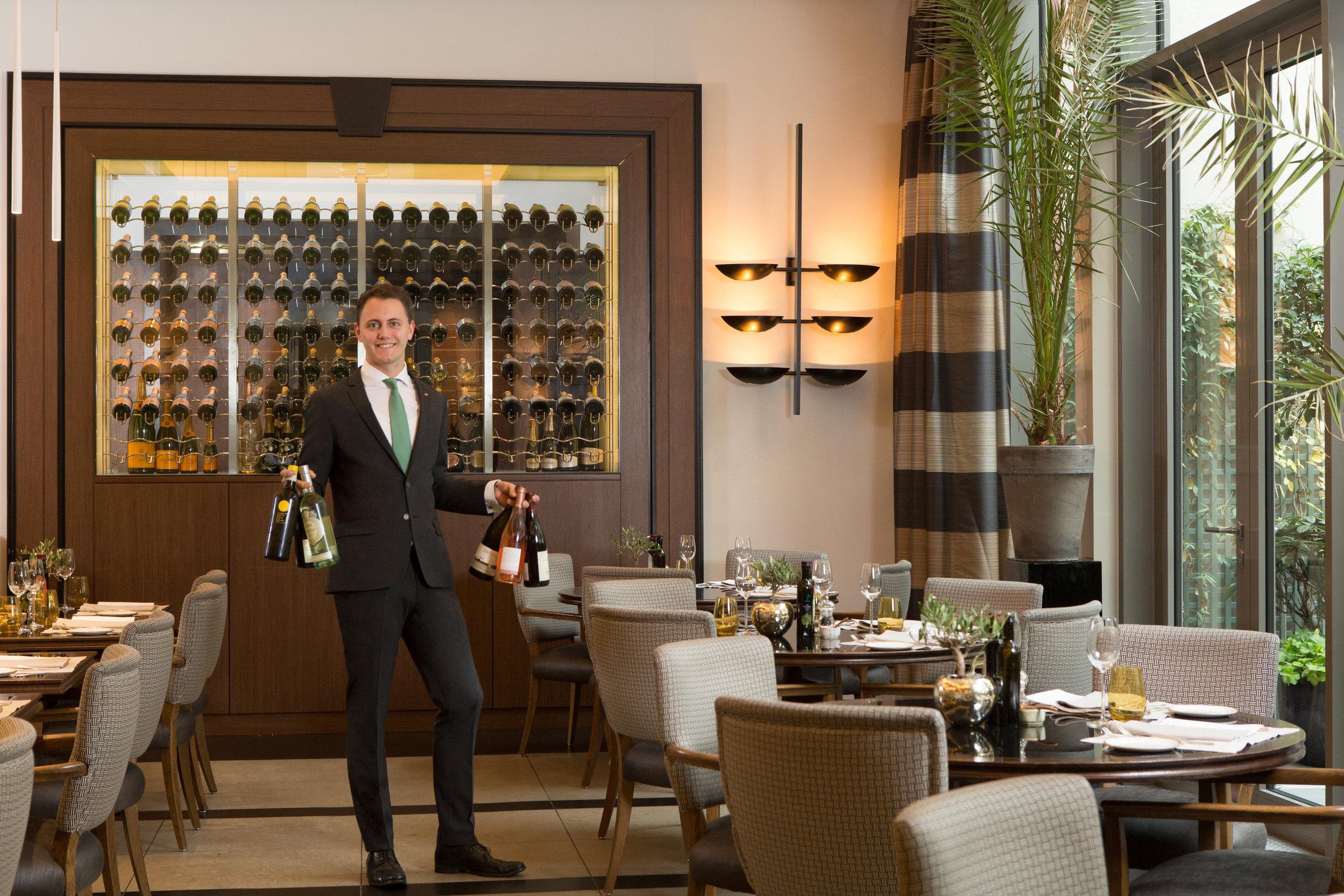 20 RFH Hotel de Rome - La Banca restaurant (2).jpg