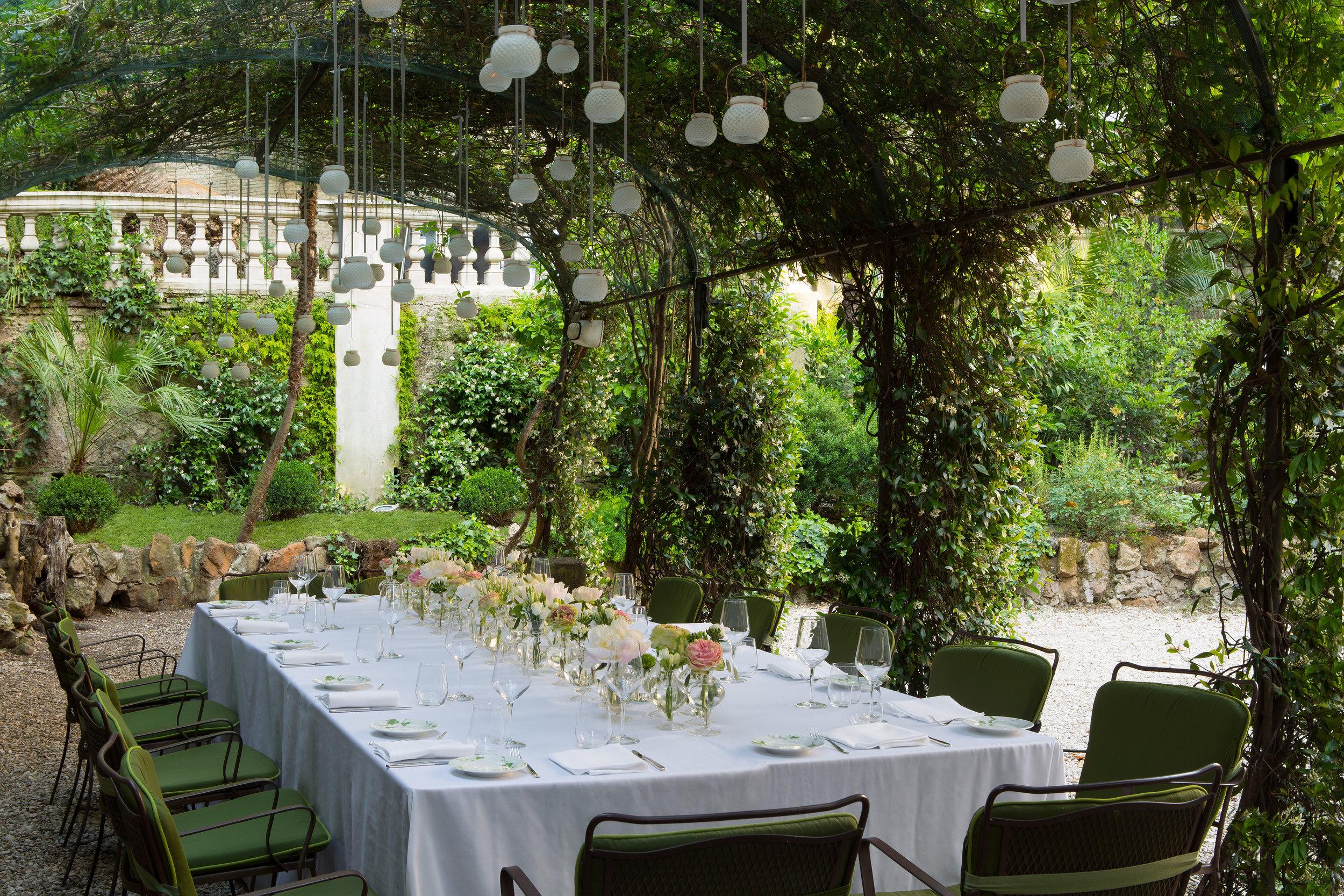 5 RFH Hotel de Russie - Pergola in the Secret Garden 0815 May 17.JPG