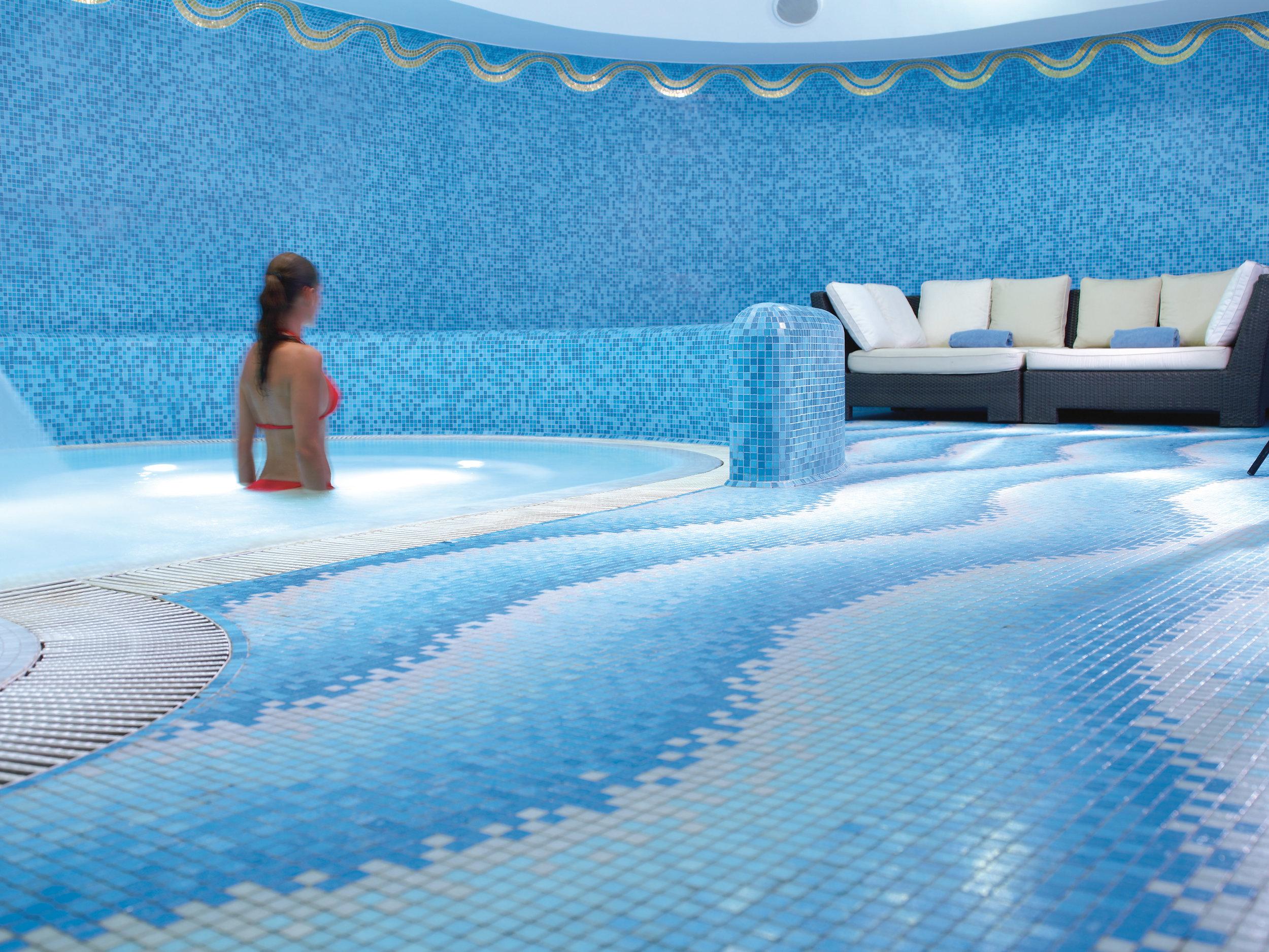 9A RFH Hotel de Russie - De Russie Wellness Zone Jacuzzi Sep 07 A Houston.jpg