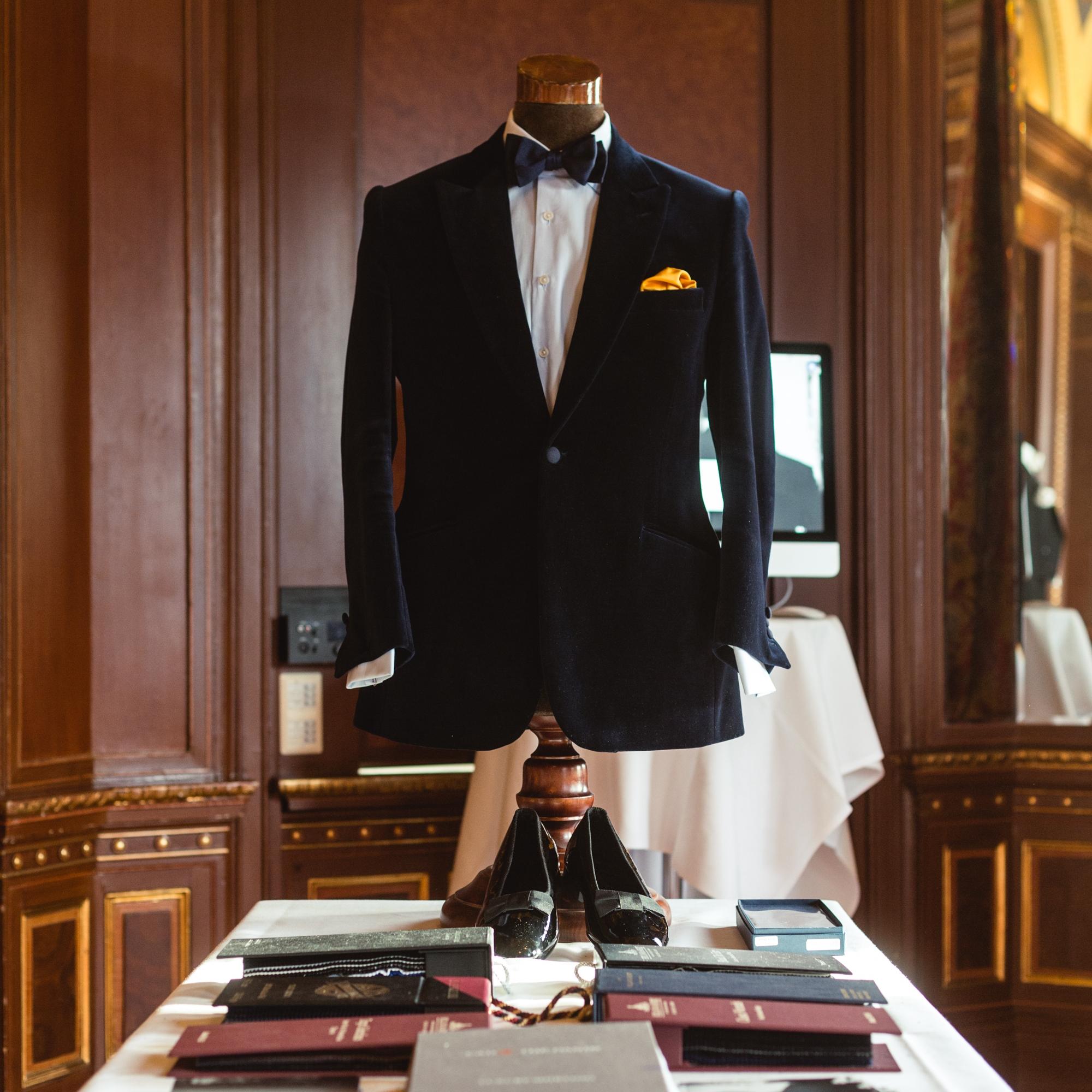 Single breasted Götrich Dinner Jacket in midnight blue velvet with peak lapels.