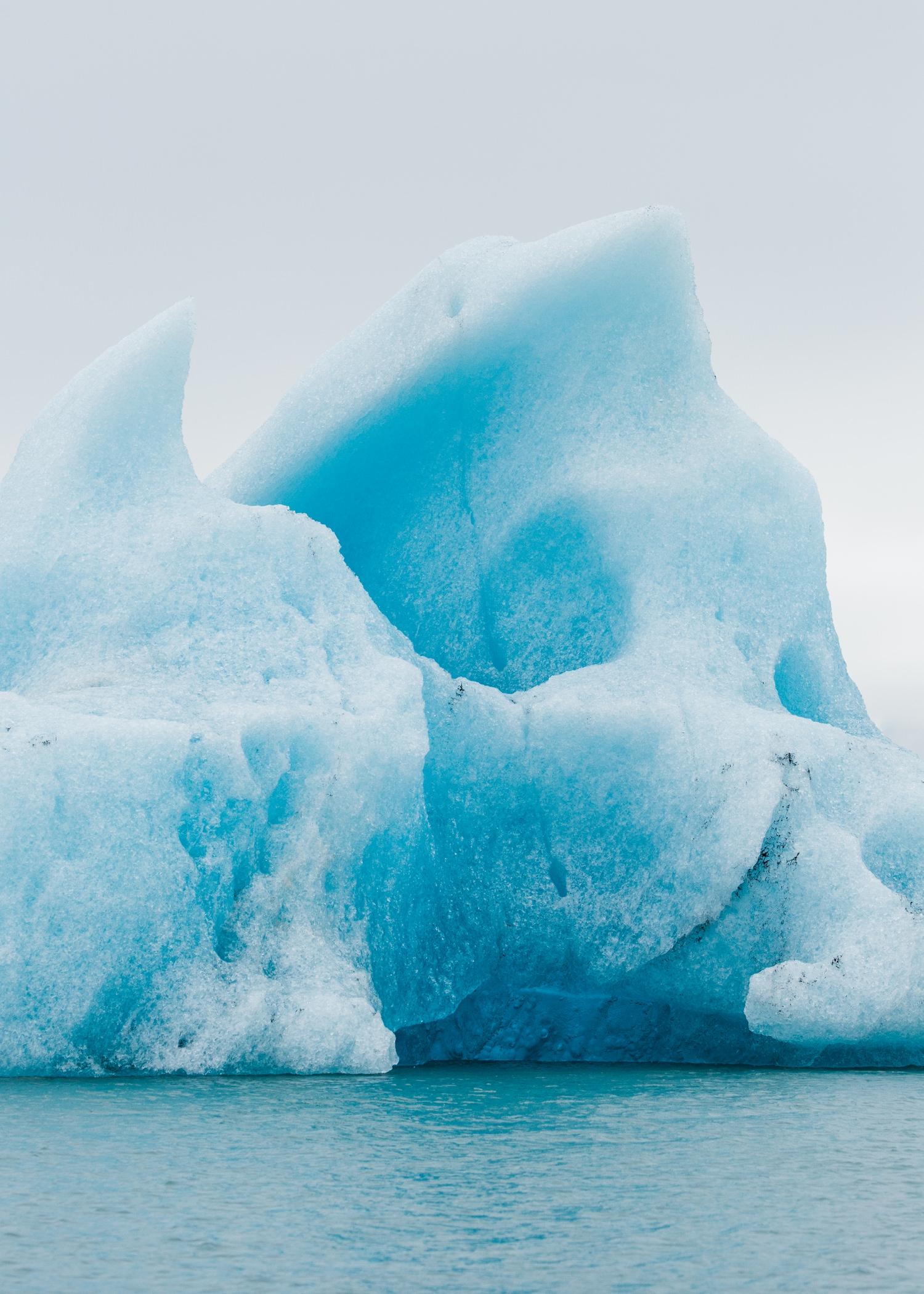 cameron-zegers-travel-editorial-photographer-iceland-national-geographic-iceberg.jpg