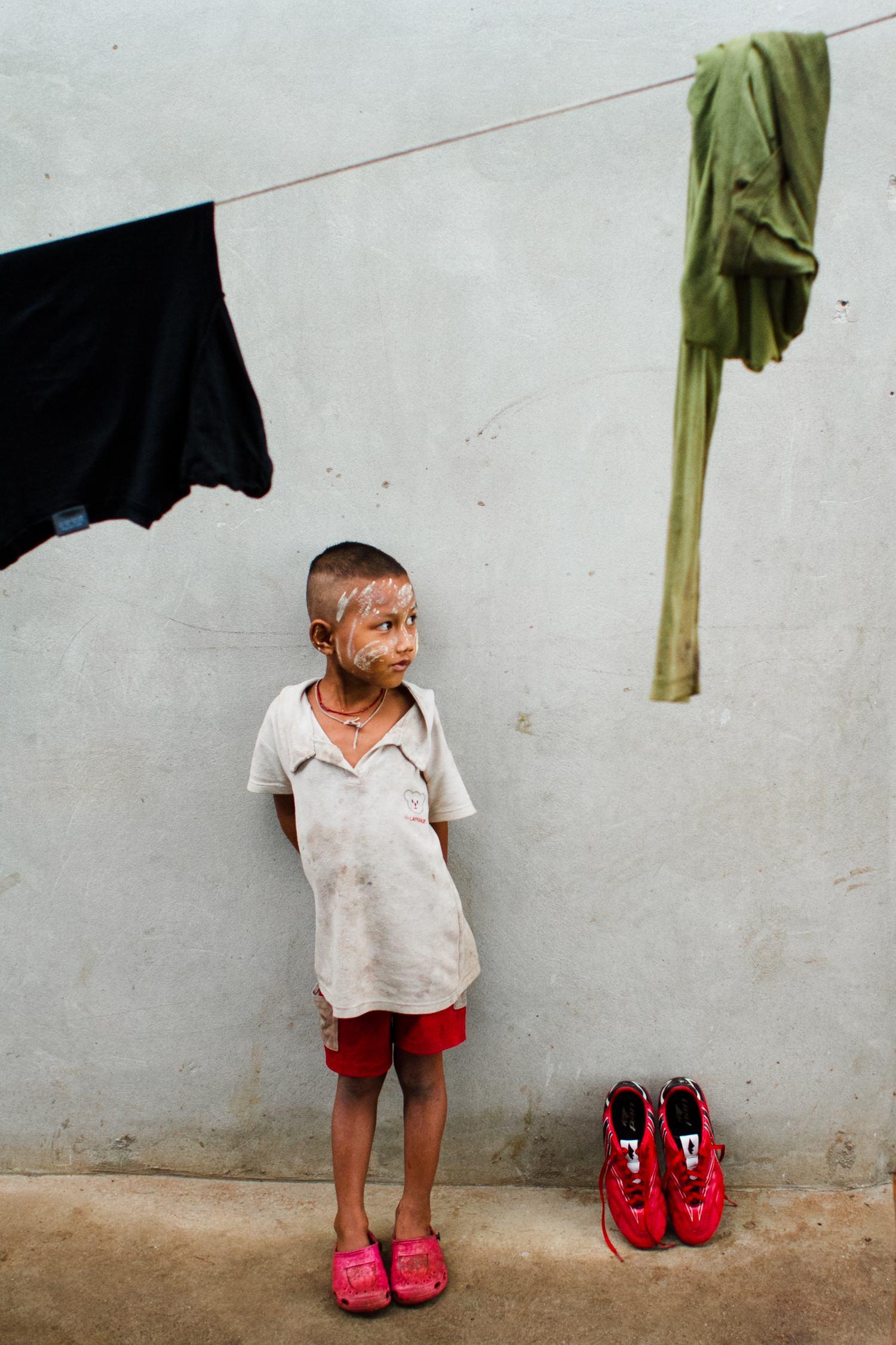 thailand-child-cameron-zegers-travel-photographer.jpg