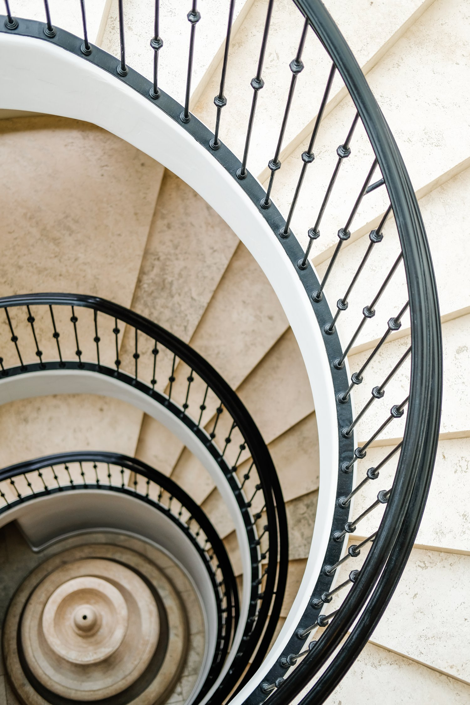 posthotel-leavenworth-honeymoon-cameron-zegers-photography-12.jpg