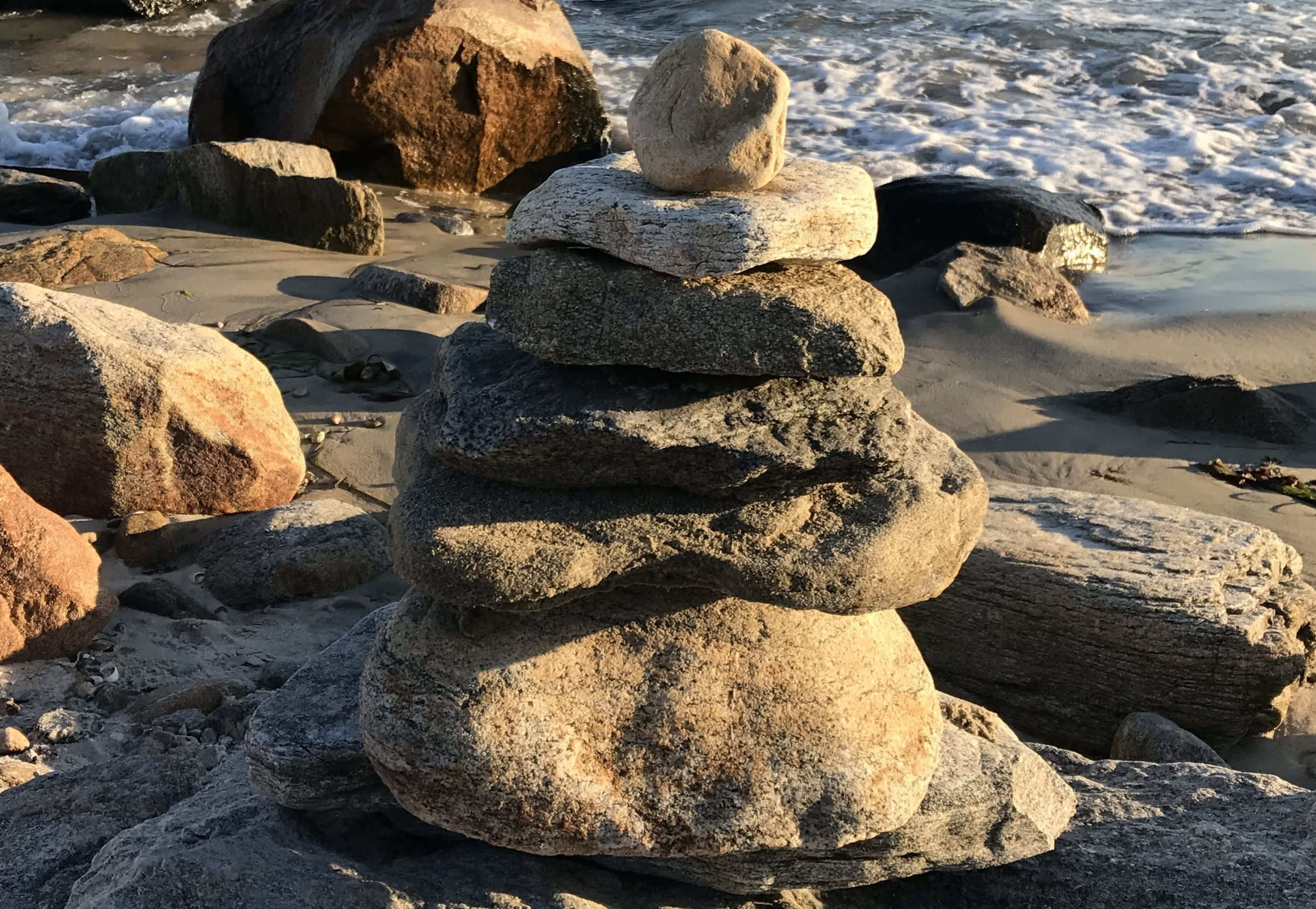 Cairn at Harkness.JPG