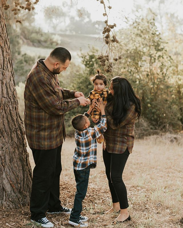 If you're interested in doing Fall Minis with me I have a few slots available still. It's perfect for those of you who send out holiday cards, need an updated family photo, or just because.  __  Location will be in 📍HUNTINGTON BEACH, CA  __  DM/Email me for more info🤙🏼 __  #sarahcamposphoto#dearphotographer#californiaphotographer#losanglesphotographer#palosverdesphotographer#torrancephotographer#longbeachphotographer#loversofthelight#redondobeachphotographer#sisterphotogs#savethephotographer#chasinglight#thatsdarling#belovedhearts#lookslikefilm#fallminis#fallminisession