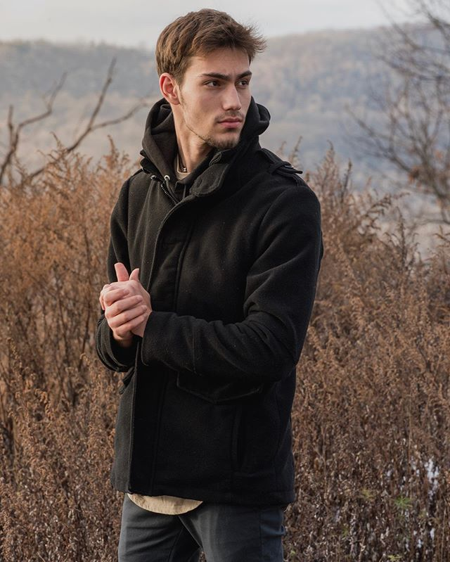 Golden Hour on Finch Road - 2016 • • • • • #male #model #fashion #fashionphotography #kohls #ringwood #goldenhour #natural #softlight #outdoors #outdoorphotography #outdoorphotomag #minimal #nikon #d610 #2016 #winter #mountains #adventure #adventurephotography #travel #travelphotography #painterly #clean