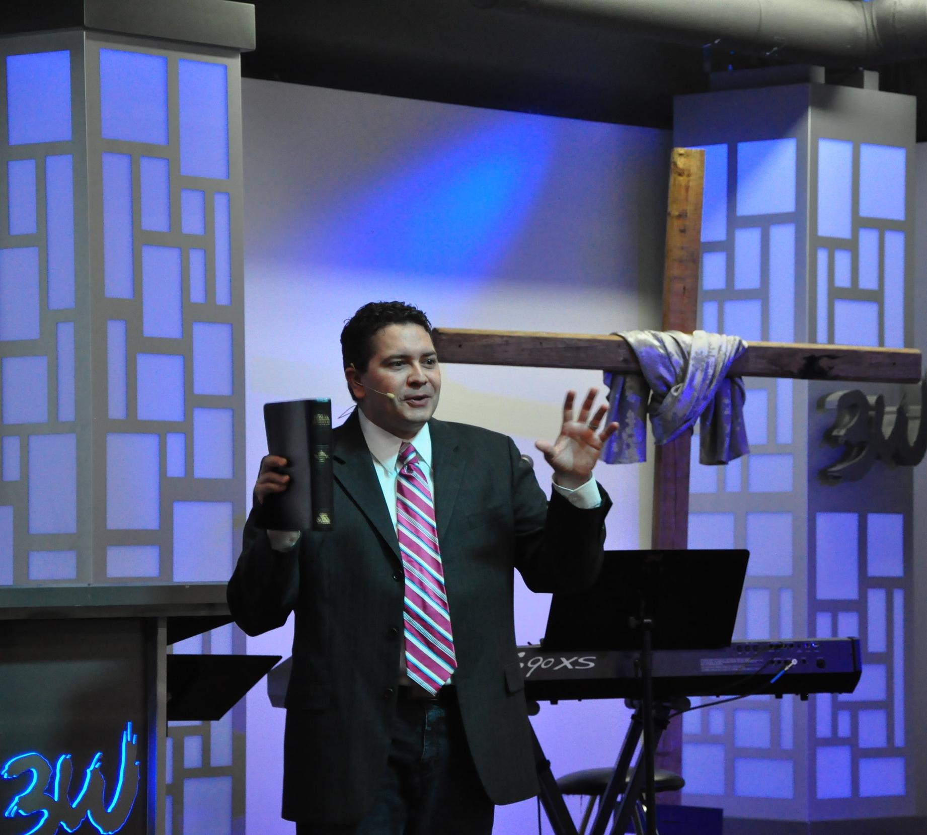 Pastor David Perez