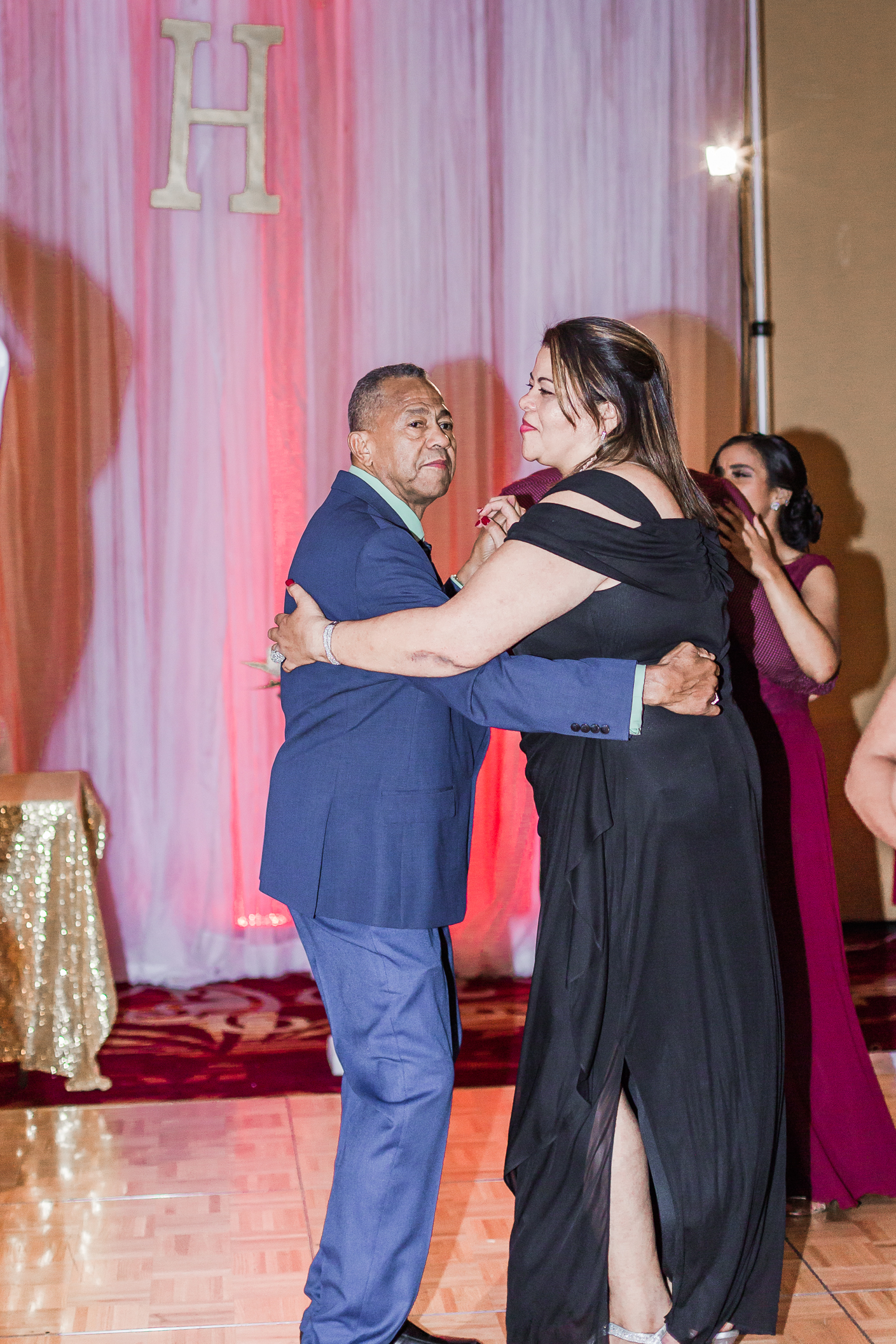 Crowne Plaza Hotel Reading Pennsylvania burgandy and gold  Wedding Lytle Photo Co (5 of 7).jpg