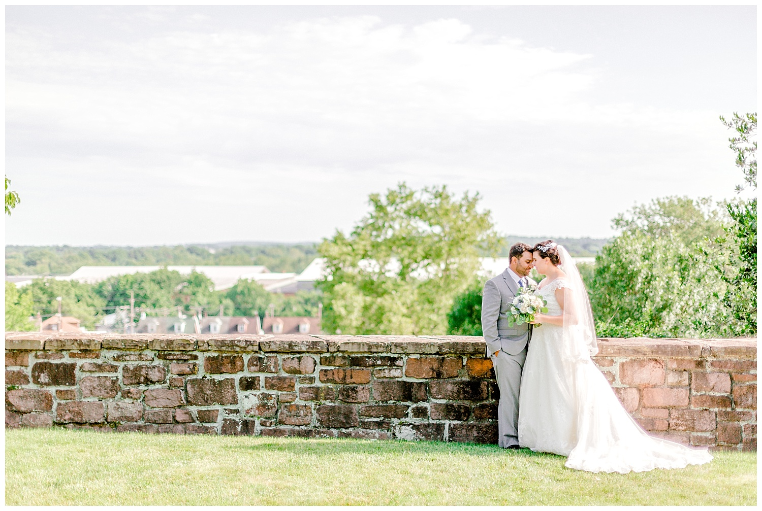 Navy and gold inspired june summer lehigh valley wedding by Pennsylvania based wedding and lifestyle photographer lytle photographer_0048.jpg