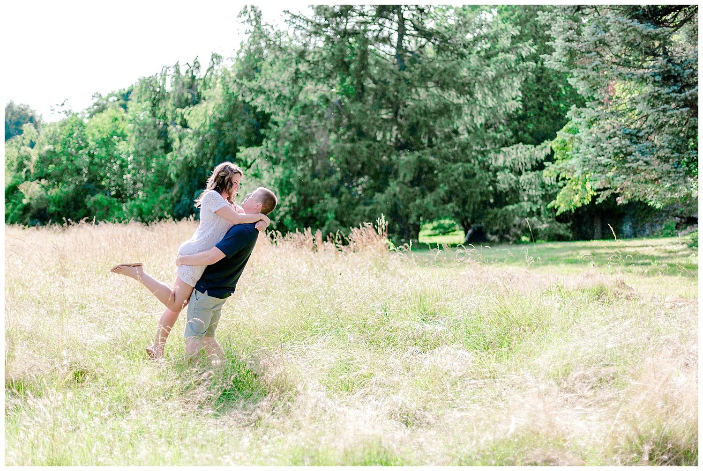 Welkinweir estate summertime engagement session Pennsylvania based wedding and lifestyle photographer lytle photography_0008.jpg