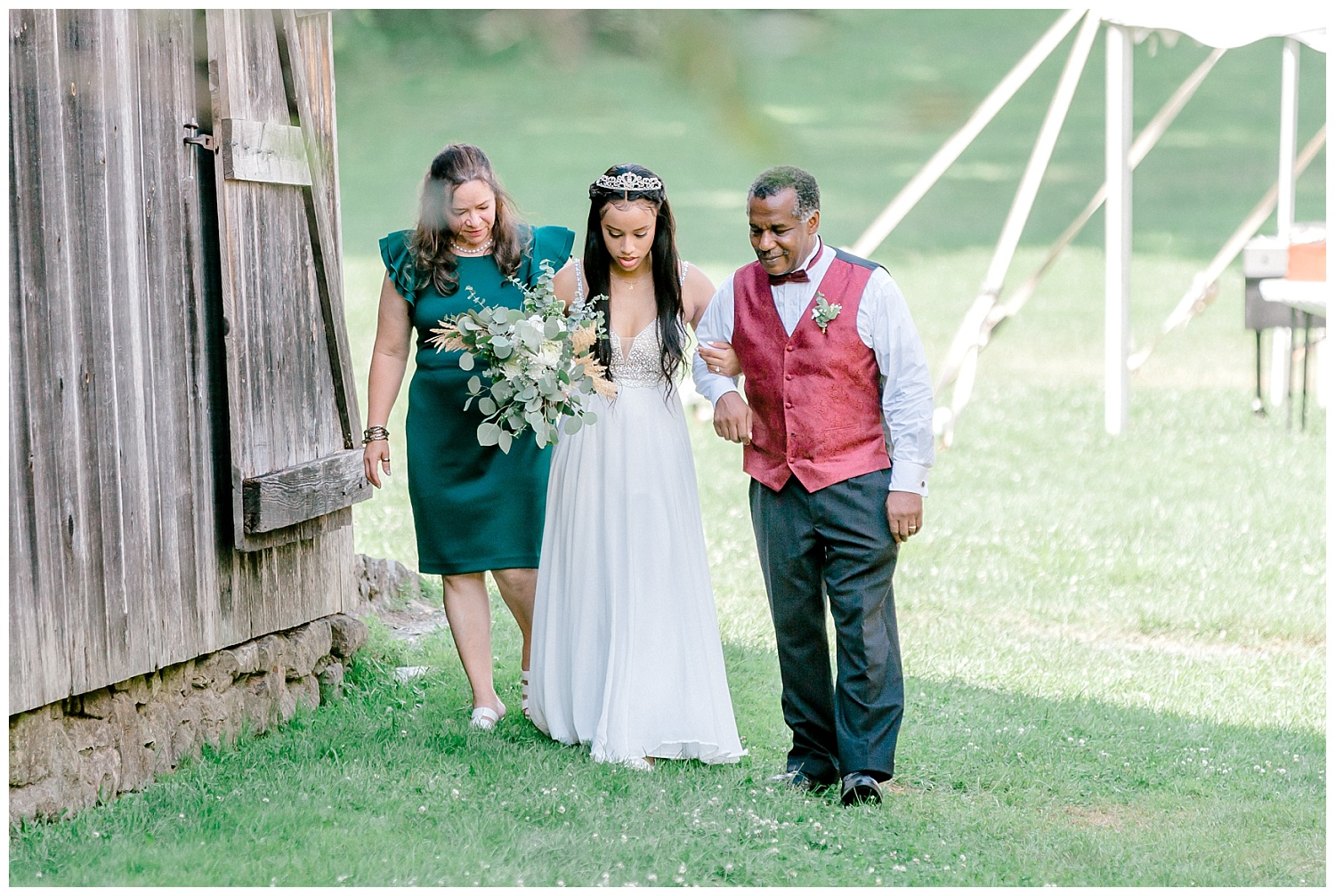 Olive green and white rustic barn wedding at burnside plantation in bethlehem pennsylvania by PA based destination wedding and lifestyle photographer Lytle photography (39).jpg