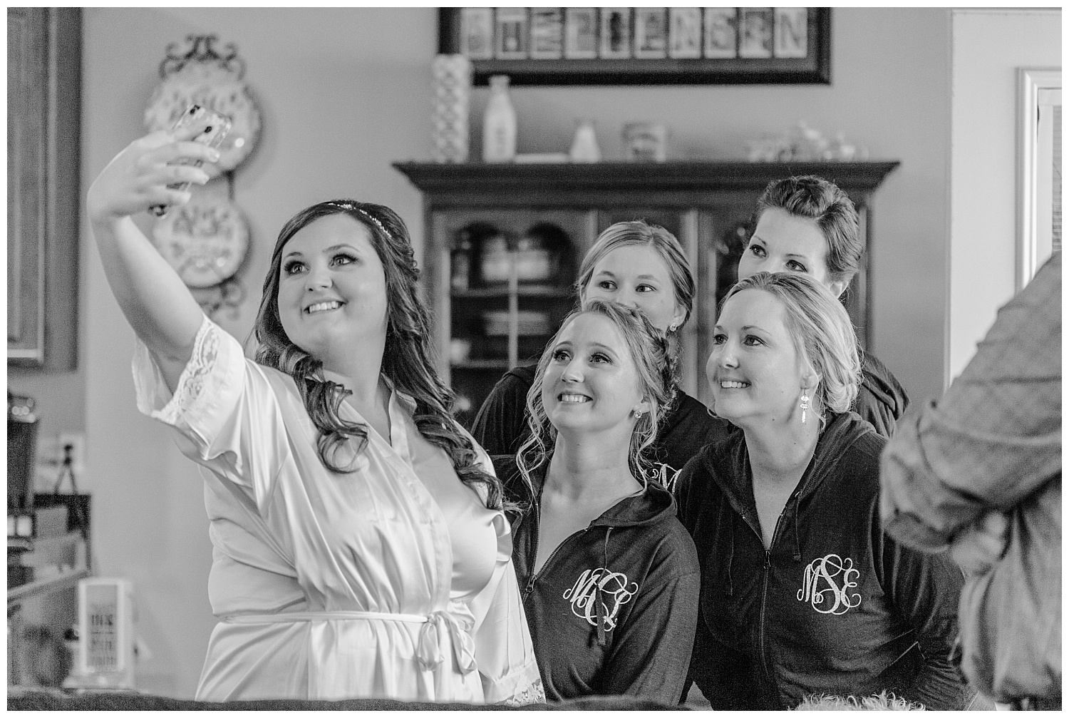 A Black and Gold Catholic Church Wedding in Wilkes Barre Pennsylvania by lehigh valley pennsylvania based wedding and lifestyle photographer Jeannie Lytle of Lytle Photography   Company (4).jpg