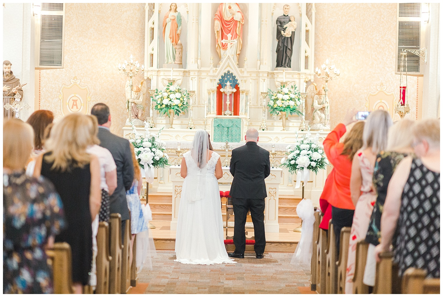 A Black and Gold Catholic Church Wedding in Wilkes Barre Pennsylvania by lehigh valley pennsylvania based wedding and lifestyle photographer Jeannie Lytle of Lytle Photography   Company (16).jpg