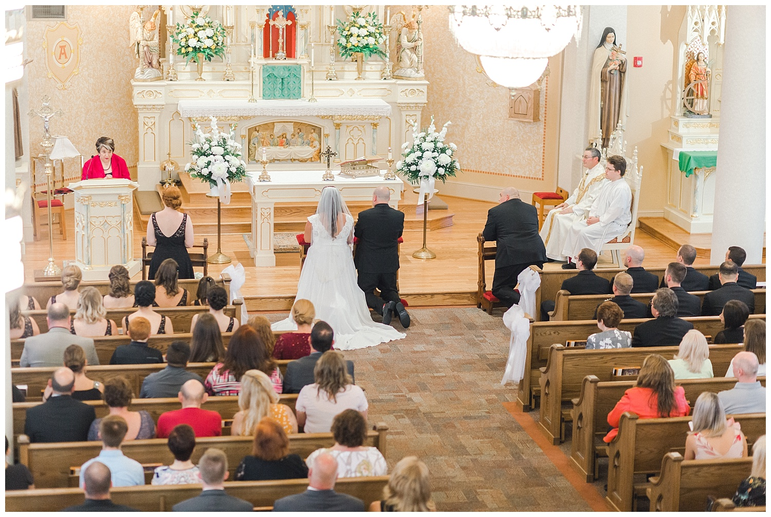 A Black and Gold Catholic Church Wedding in Wilkes Barre Pennsylvania by lehigh valley pennsylvania based wedding and lifestyle photographer Jeannie Lytle of Lytle Photography   Company (17).jpg