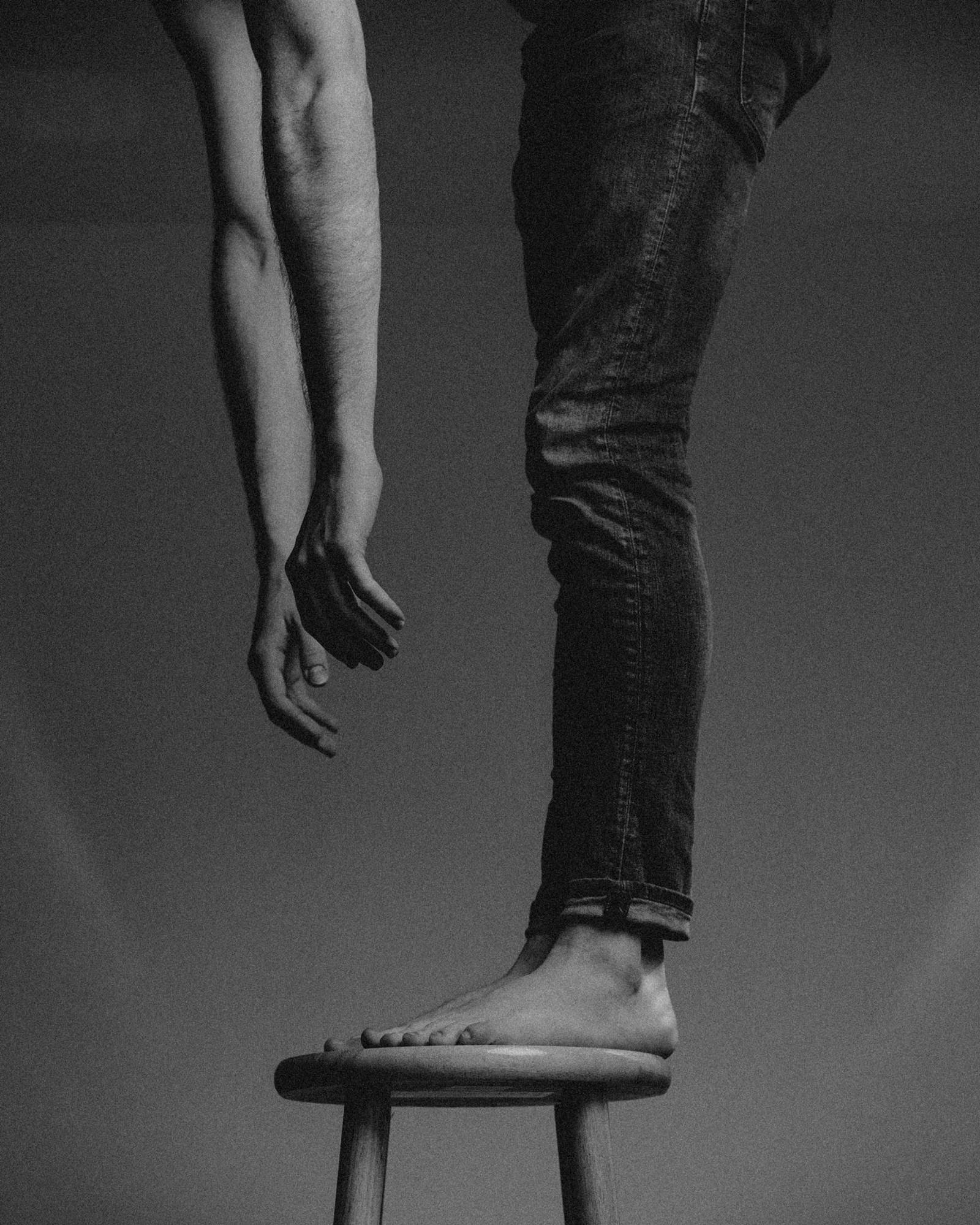 cristofer_jeschke_hanging_down.jpg