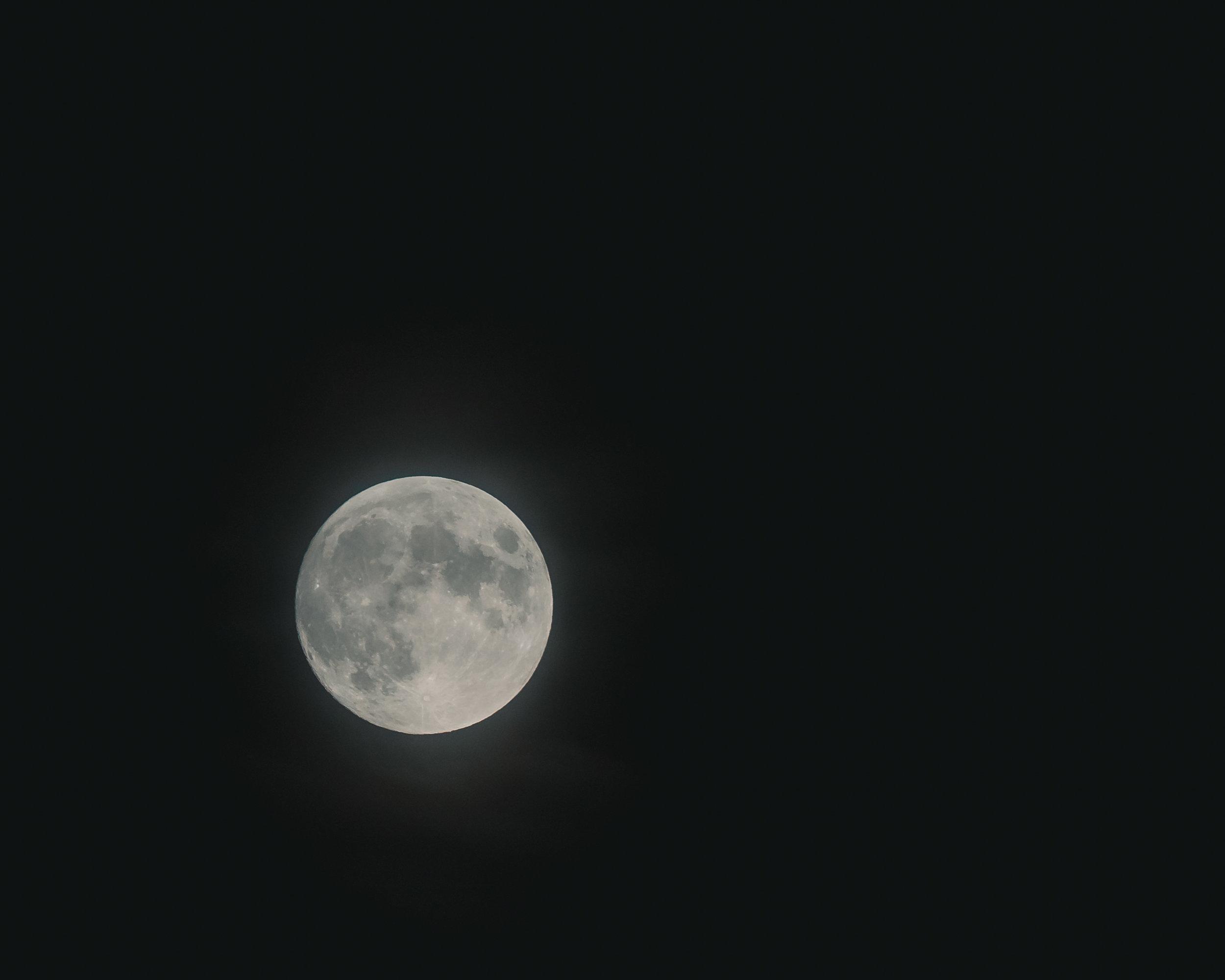 Cristofer_Jeschke_moon-03683.jpg