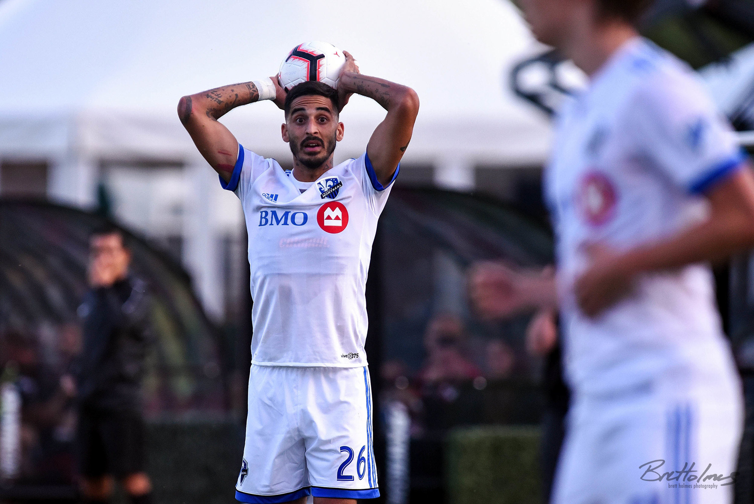 CALGARY, AB - AUGUST 14: Montreal Impact defender Jorge Corrales (26) prepares for a throw-in during the first half of the second leg of a Canadian Championship semifinal match between the Montreal Impact and Cavalry FC on August 14, 2019, at ATCO Field at Spruce Meadows in Calgary, AB. (Photo by Brett Holmes/Icon Sportswire)