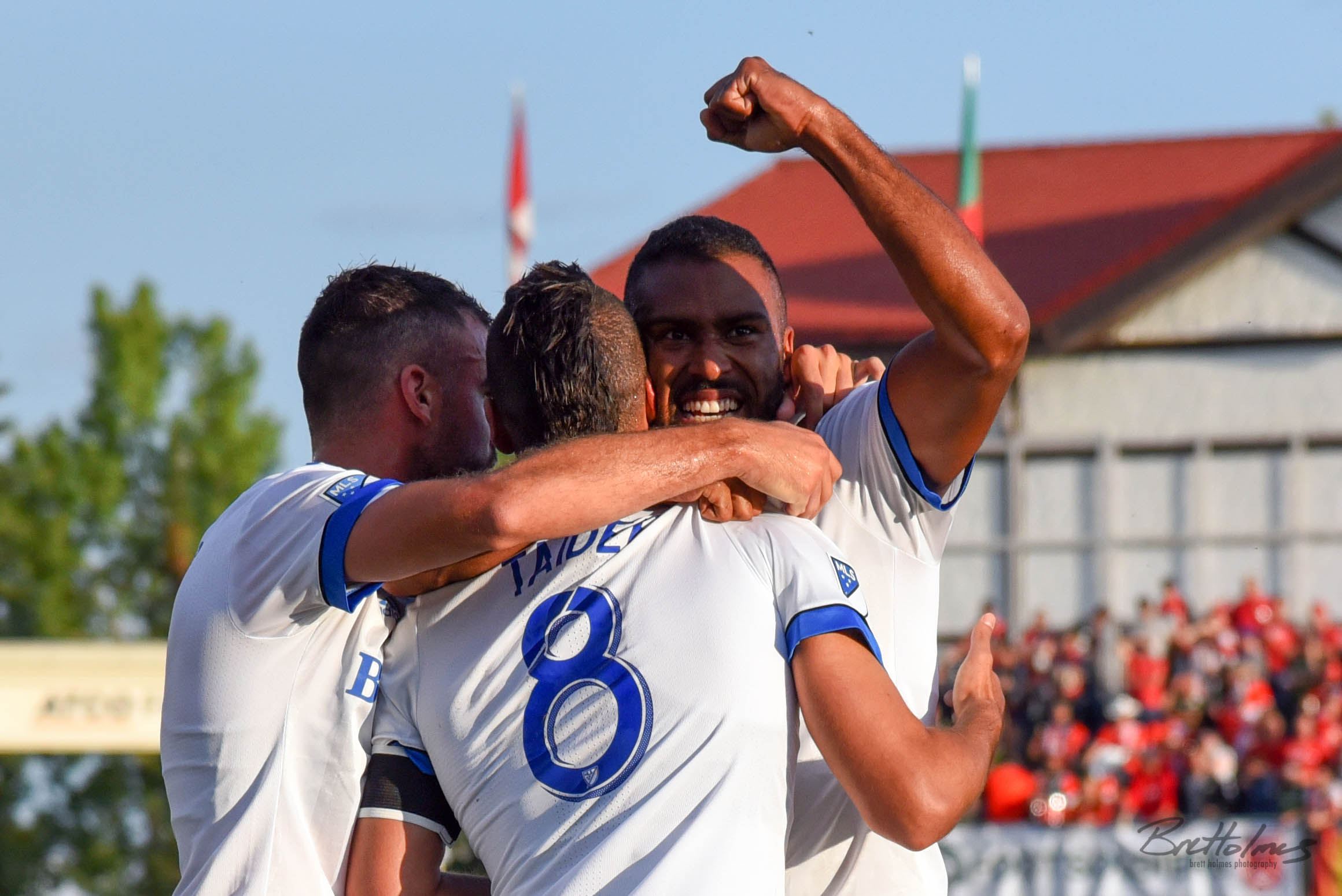 CALGARY, AB - AUGUST 14: Montreal Impact forward Anthony Jackson-Hamel (11) celebrates a goal with Montreal Impact midfielder Saphir Taïder (8) and teammates during the first half of the second leg of a Canadian Championship semifinal match between the Montreal Impact and Cavalry FC on August 14, 2019, at ATCO Field at Spruce Meadows in Calgary, AB. (Photo by Brett Holmes/Icon Sportswire)