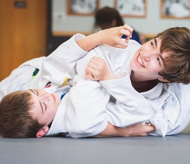Fun fact: 69% of our members practice grappling WITH another family member 🤯 — What do FAMILIES get out of working out together? Beyond having fun, they learn RESPECT and TEAM WORK. We see siblings and parent/kid duos form lifelong bonds through grappling. COME SEE WHAT WE ARE TALKING ABOUT with a free meeting with one of our expert instructors or come watch a class to experience it for yourself.