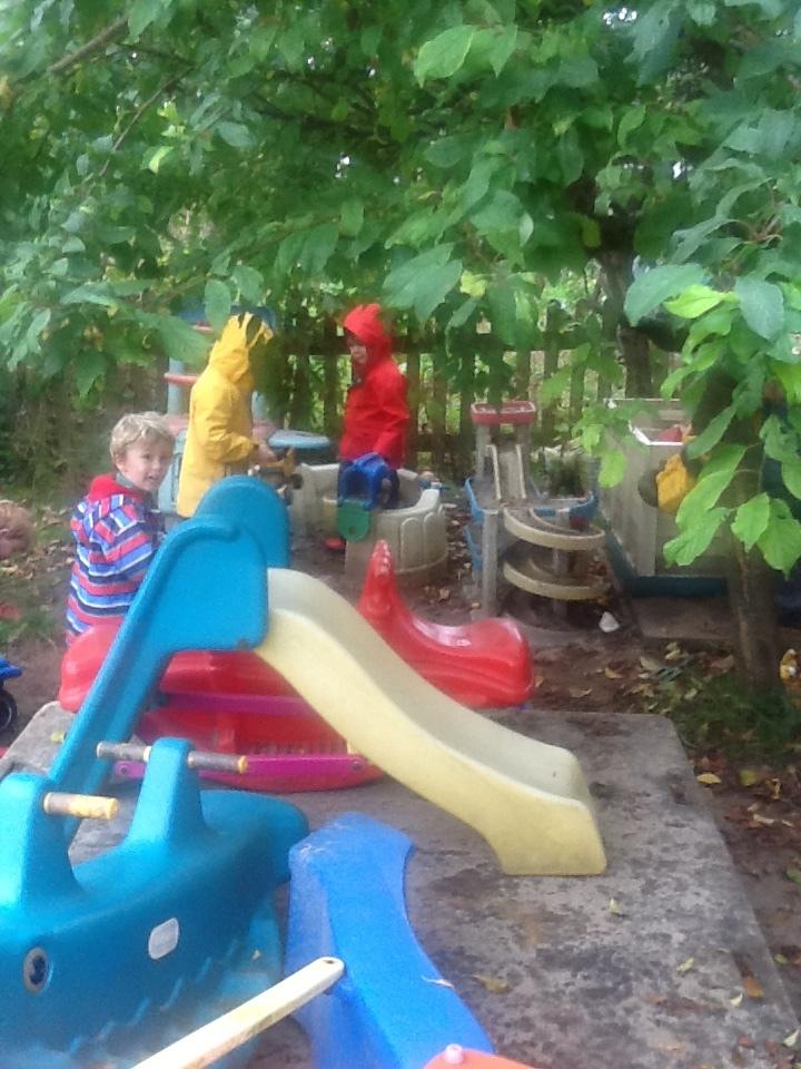 Term_Dates_Wet_Garden.JPG
