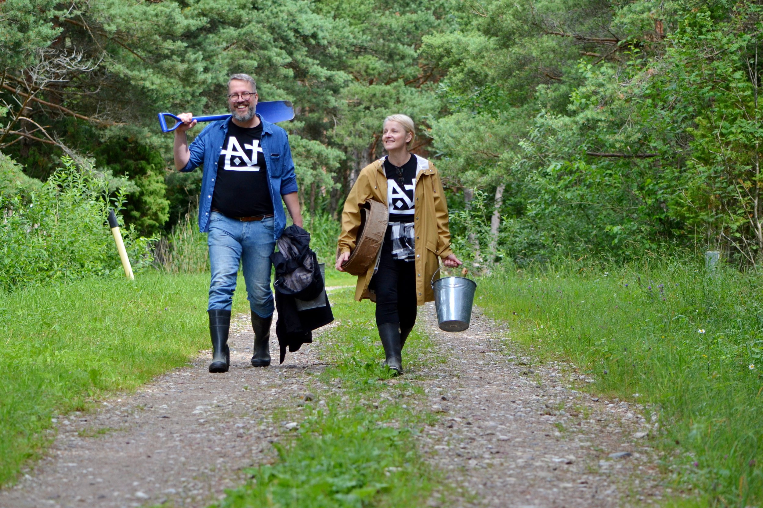 Foraging in 2019 - Tarmo and Maarit are Heading to the nature to pick some herbs. Photo by Kristina Mägi