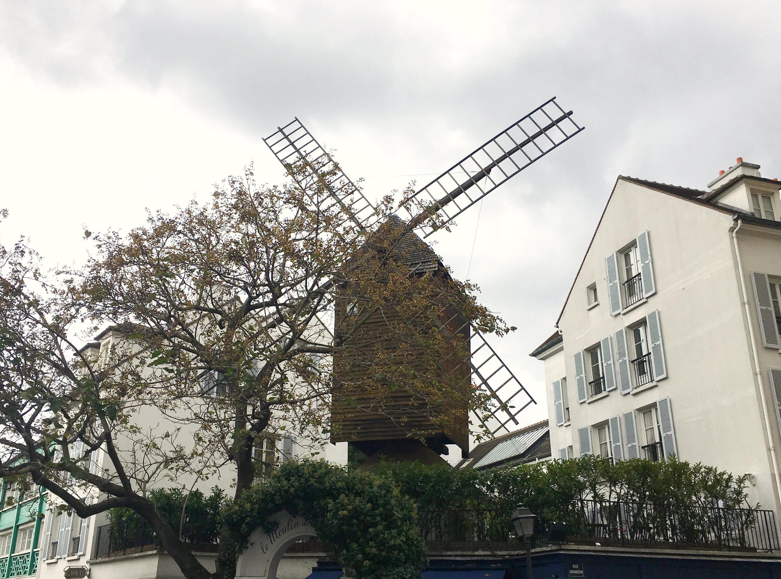 montmartre moulin visite guidee paris.jpg
