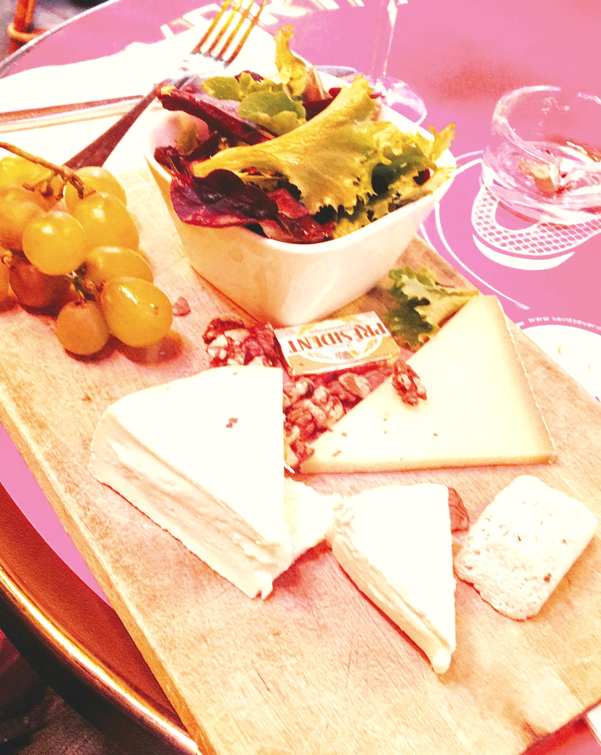 plateau de fromage paris.jpg