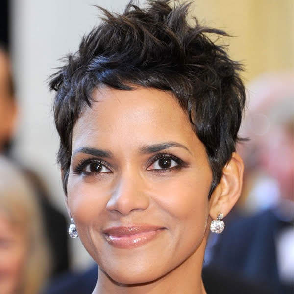 celeb-short-hairstyles-halle-berry.jpg