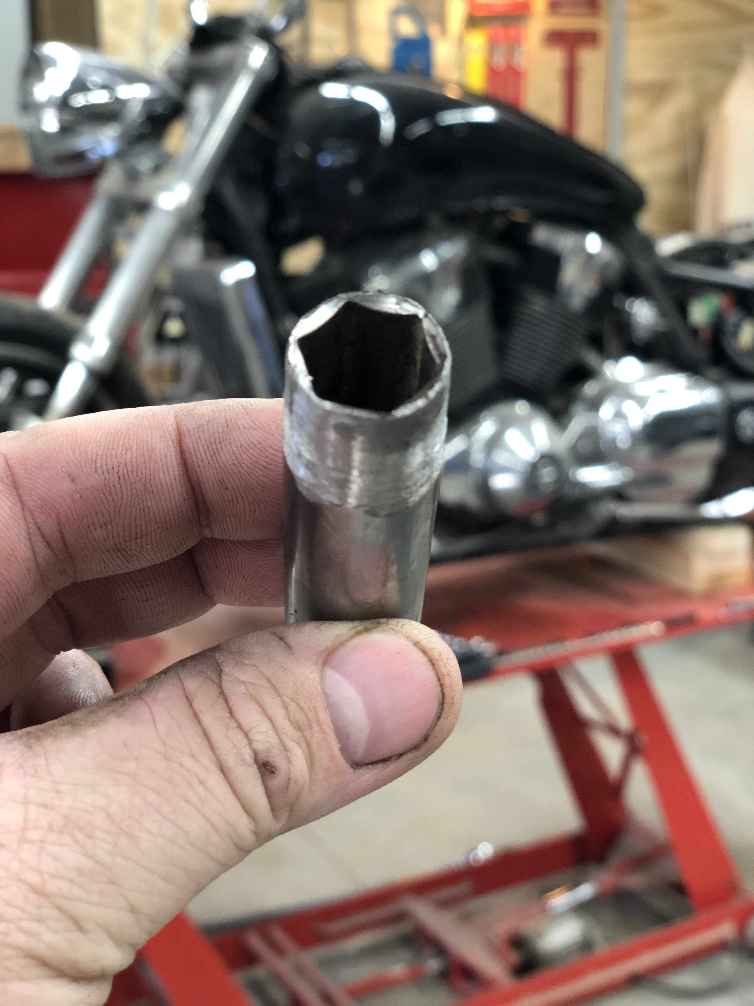 """Custom"" thin-walled 14mm socket for the rear fender supports"