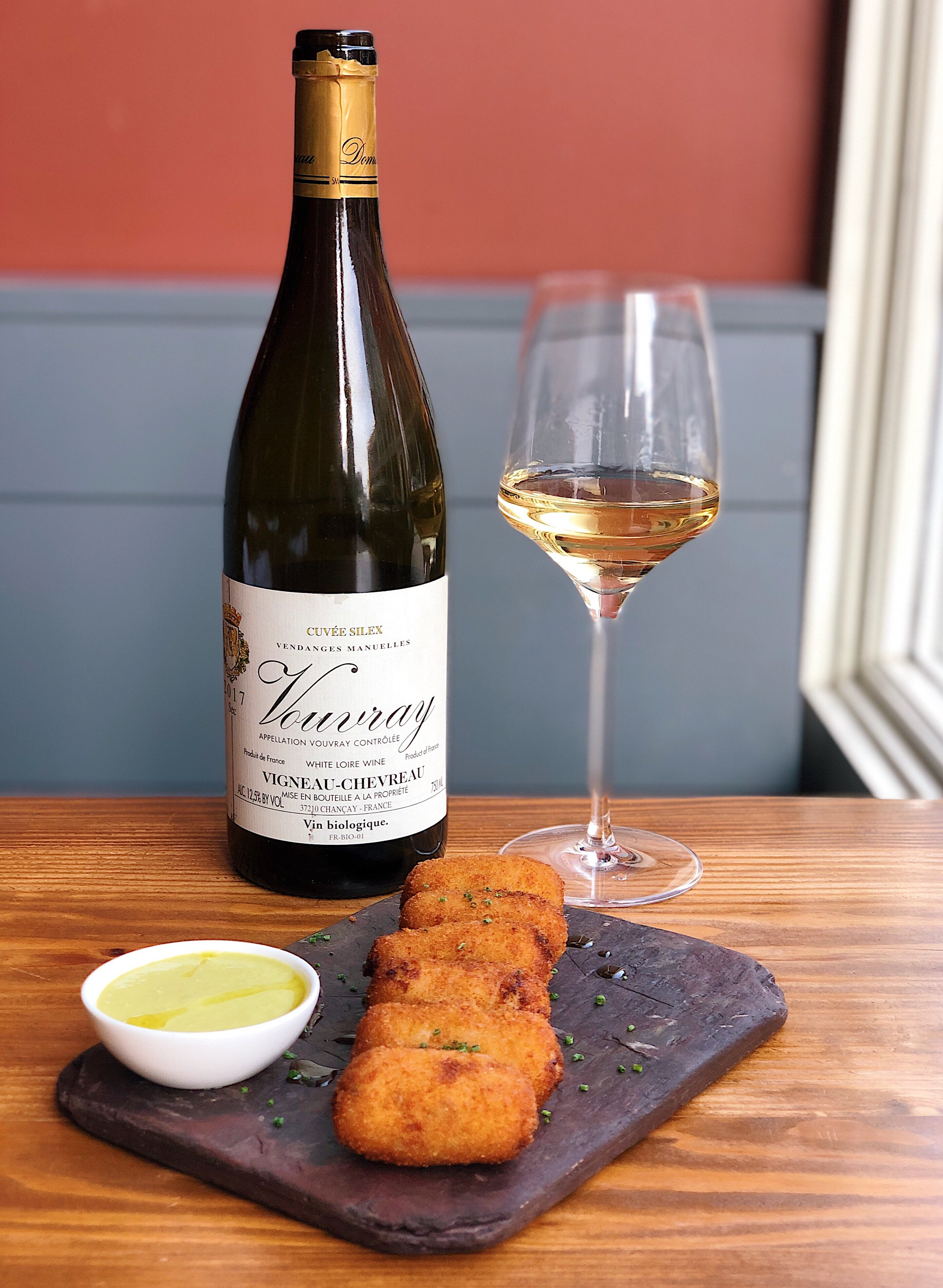 wine_wise_events_walk_portland_maine_France_white_loire_vouvray.jpg