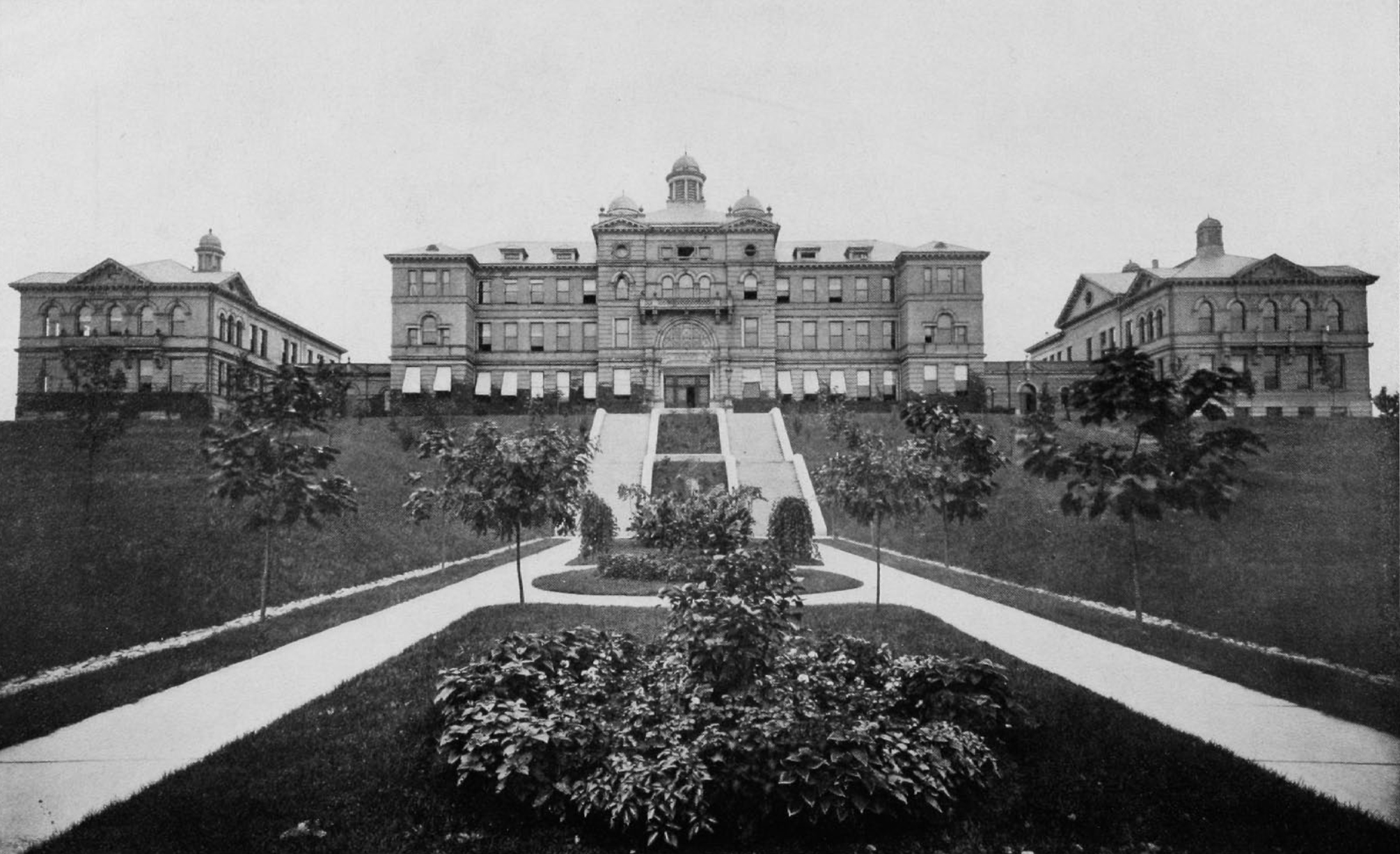 The original McMicken Hall [uc.edu]