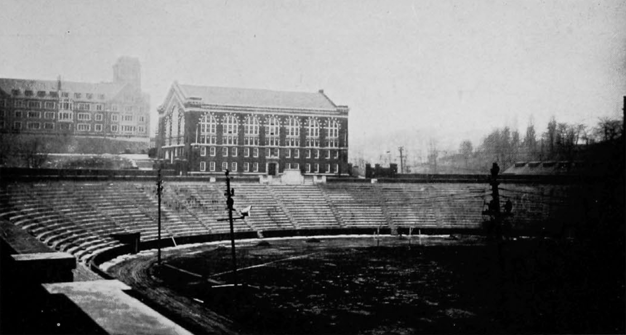 Completed Nippert Stadium, 1924. [UC Libraries]