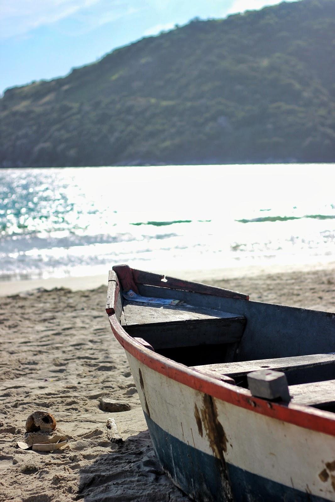 lifesthayle-arraial-do-cabo-prainha-barco.JPG
