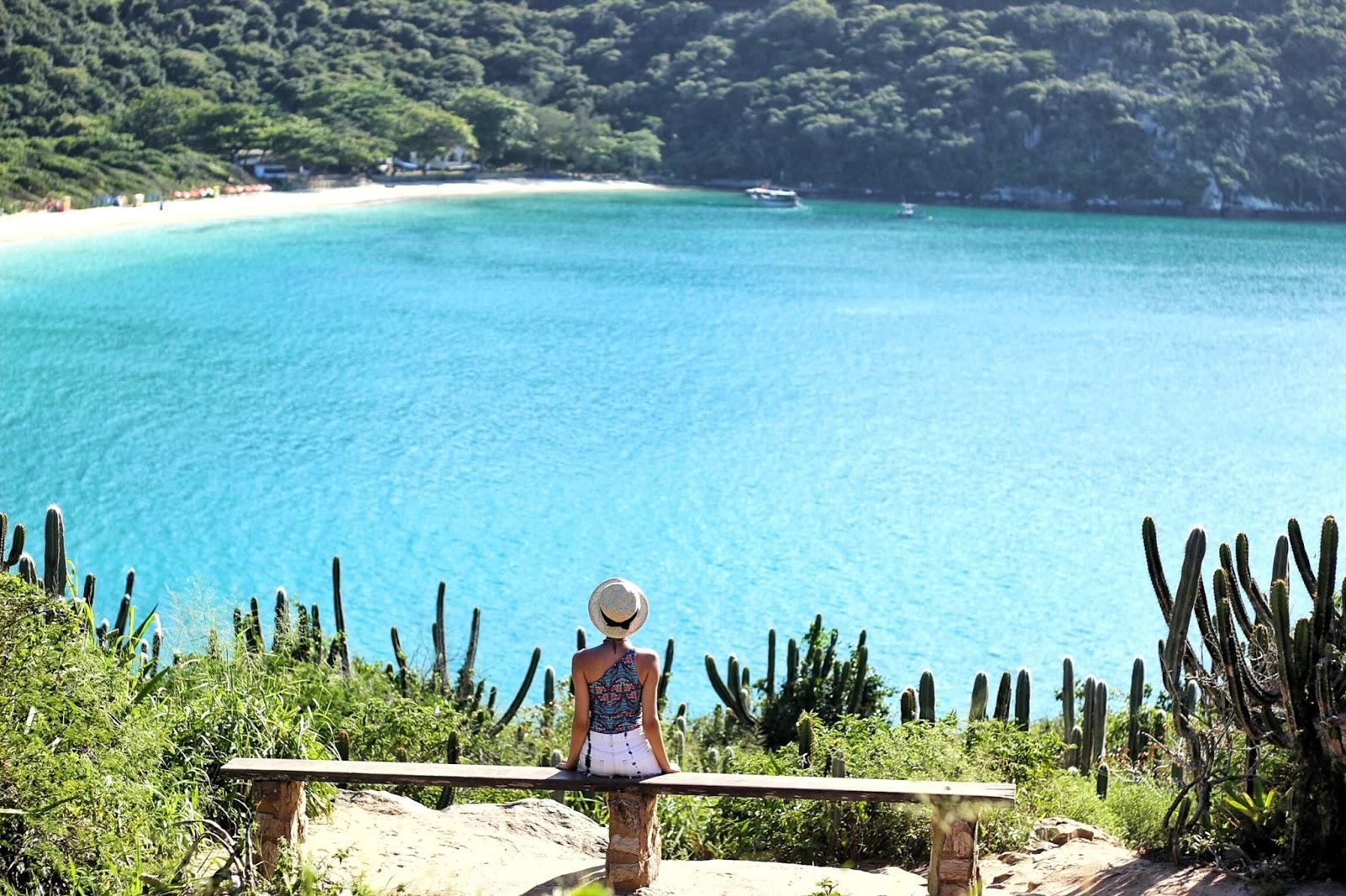 lifesthayle-arraial-do-cabo-praia-do-forno-vista.jpg