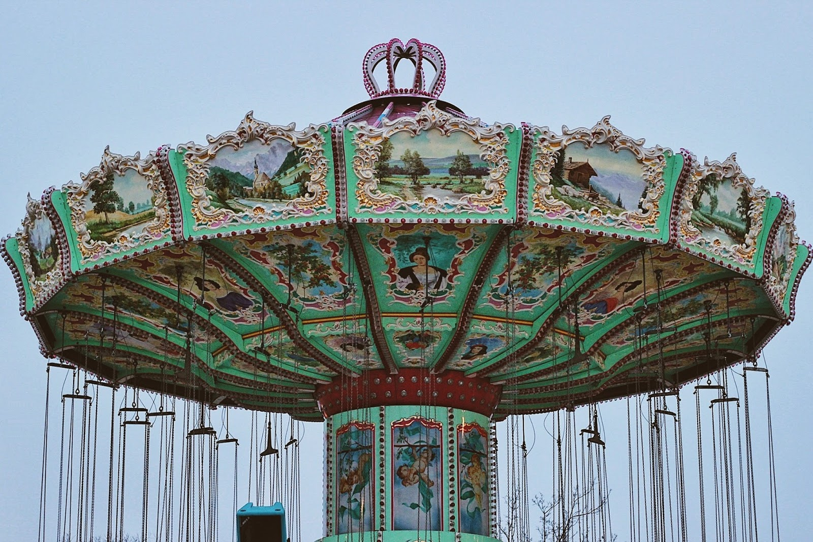 lifesthayle-vienna-prater-carousel-details.jpg