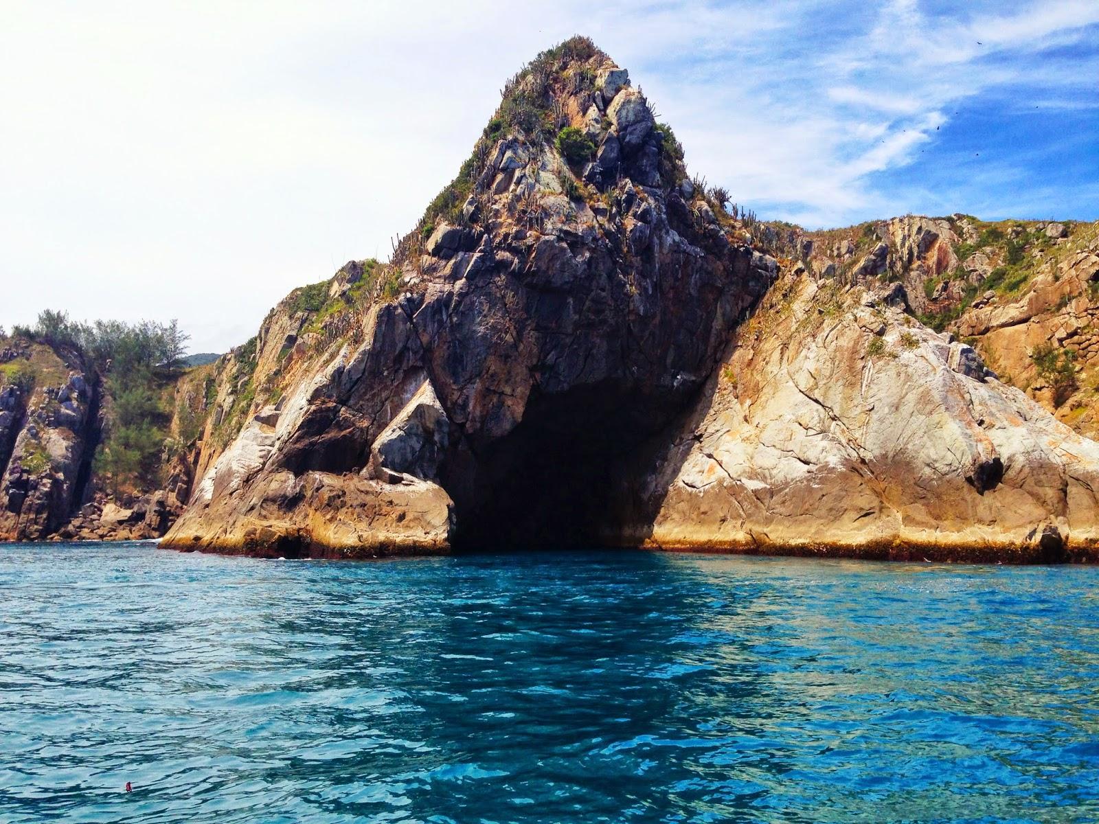 lifesthayle-arraial-do-cabo-gruta-azul.JPG
