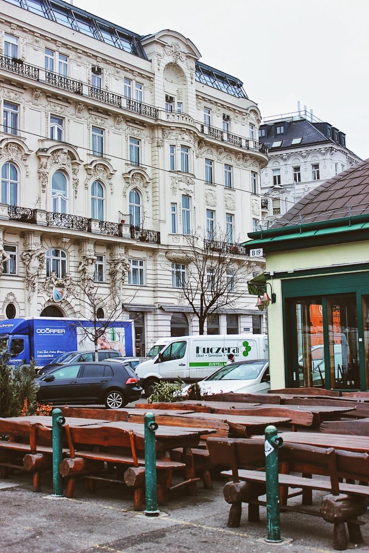lifesthayle-vienna-naschmarkt-outside