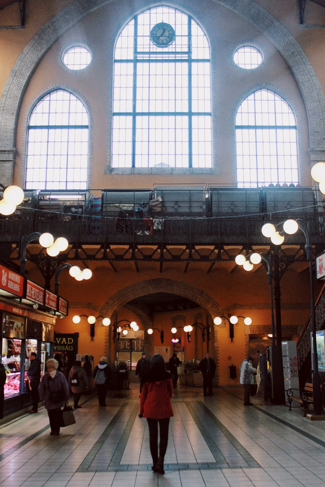 lifesthayle-budapest-great-market-hall-thayanna-sena.jpg