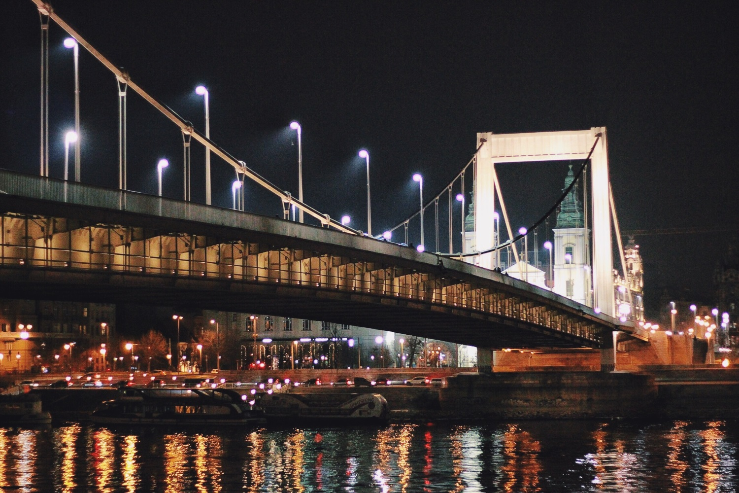 lifesthayle-budapest-under-elisabeth-brigde-at-night.JPG