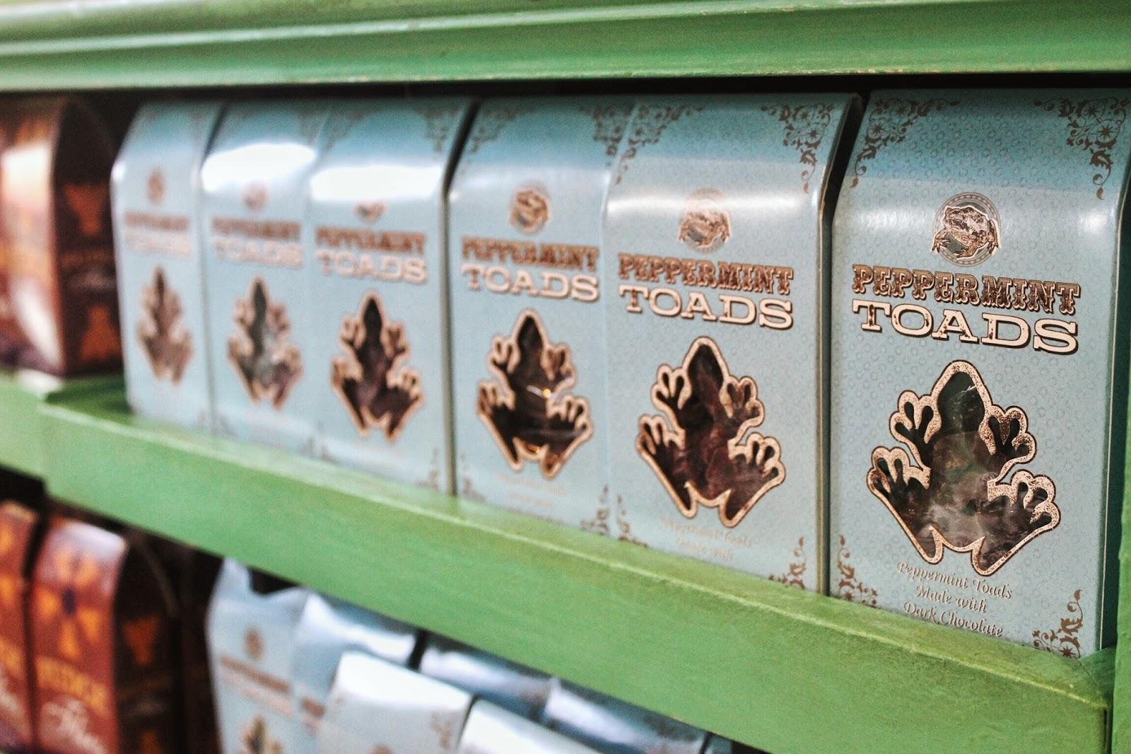 lifesthayle-harry-potter-hogsmeade-dedos-de-mel-chocolat-frogs.JPG