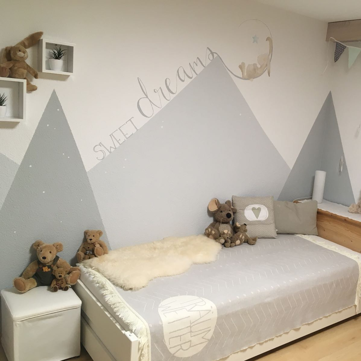 SWEET DREAMS - Wandbemalung Kinderzimmer