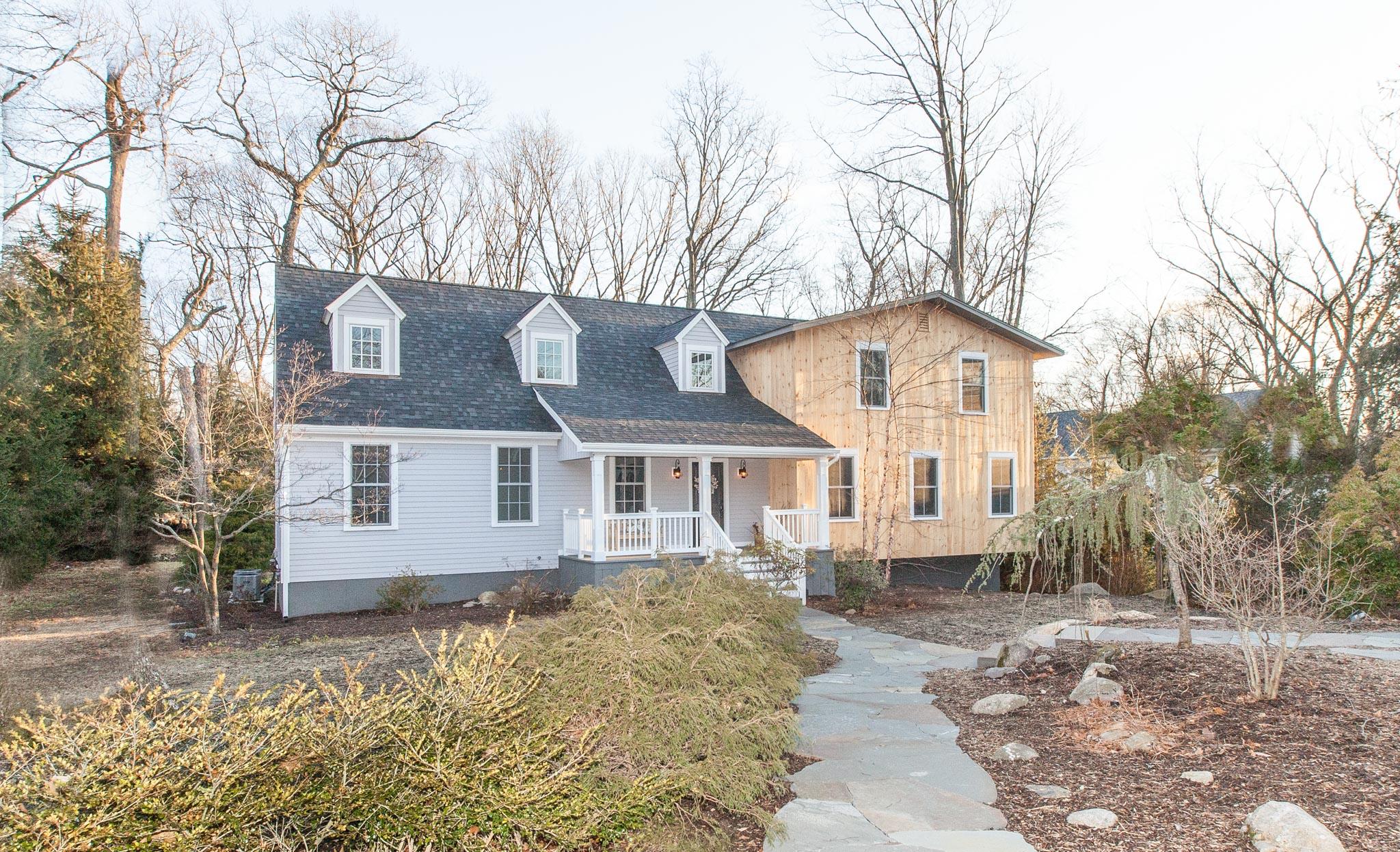 $1,076,600 - Westport, CT