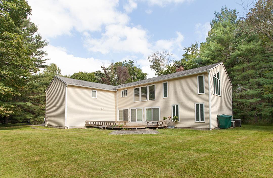 $550,000 - Weston, CT